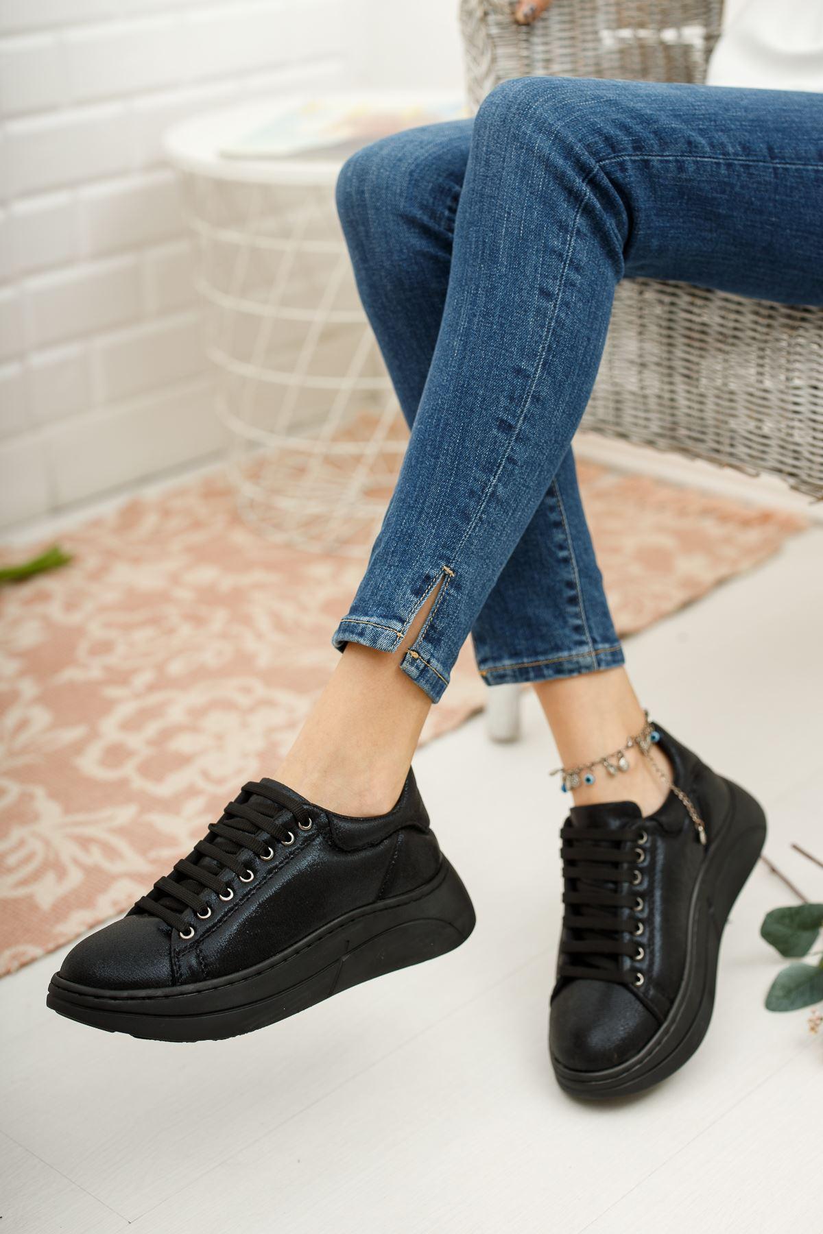 Kadın Kendal Kalın Taban Siyah Spor Ayakkabı
