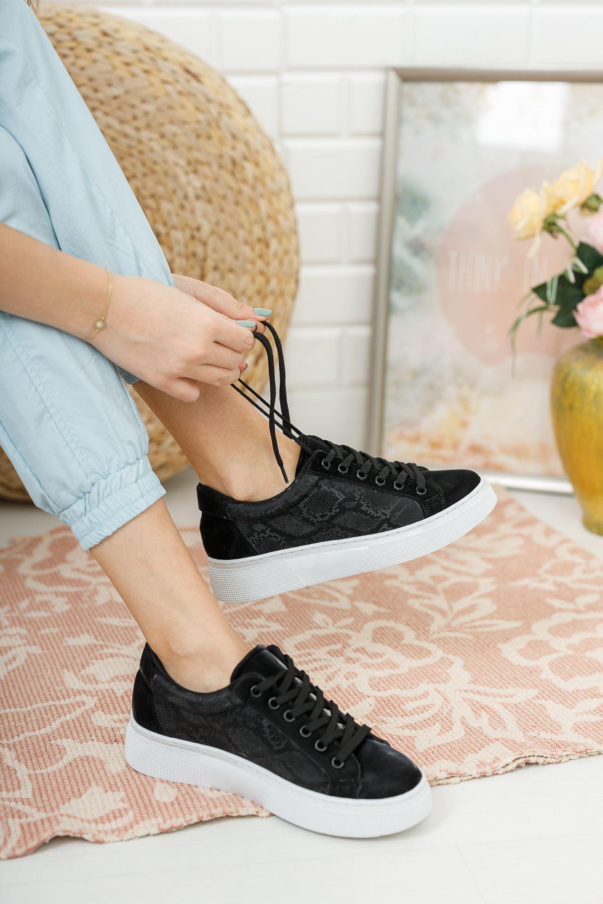 Kadın Holmes Kalın Taban Bağcıklı Baskı Detay Siyah Spor Ayakkabı