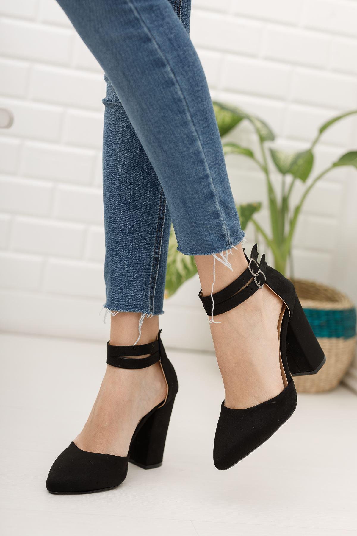 Kadın papun Çift Toka Detay Kalın Topuklu Siyah Süet Ayakkabı