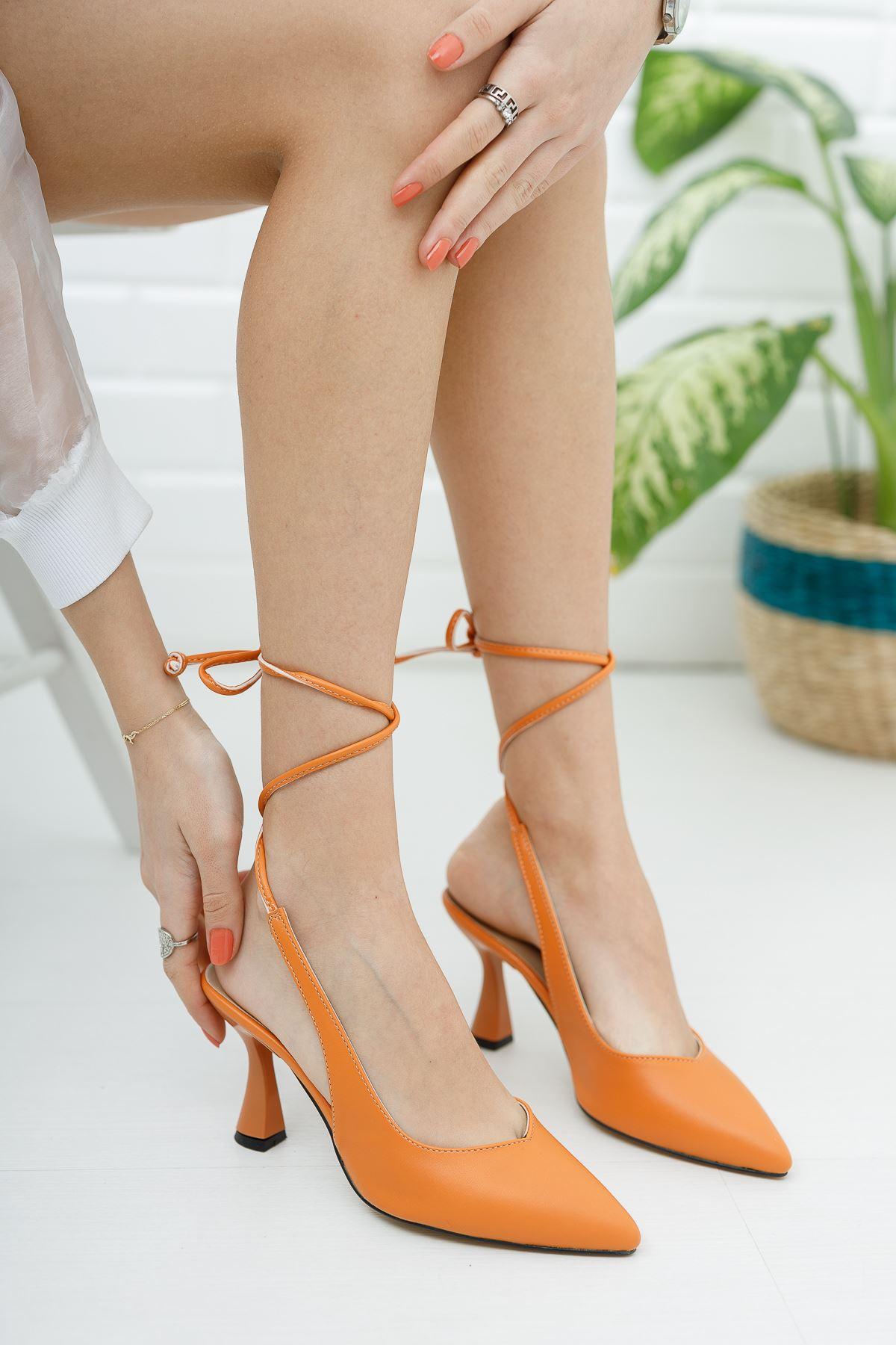 Kadın Merlin Mat Deri Turuncu Topuklu Ayakkabı  Bağcık Detaylı Sivri Burun