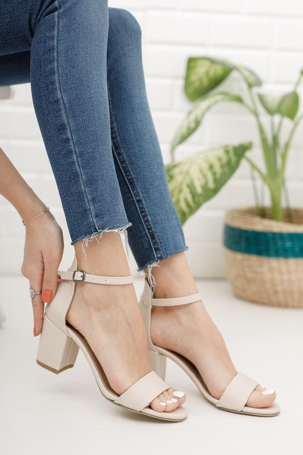 Kadın Mardian Mat Deri Ten Kısa Topuklu Tek Bant Ayakkabı