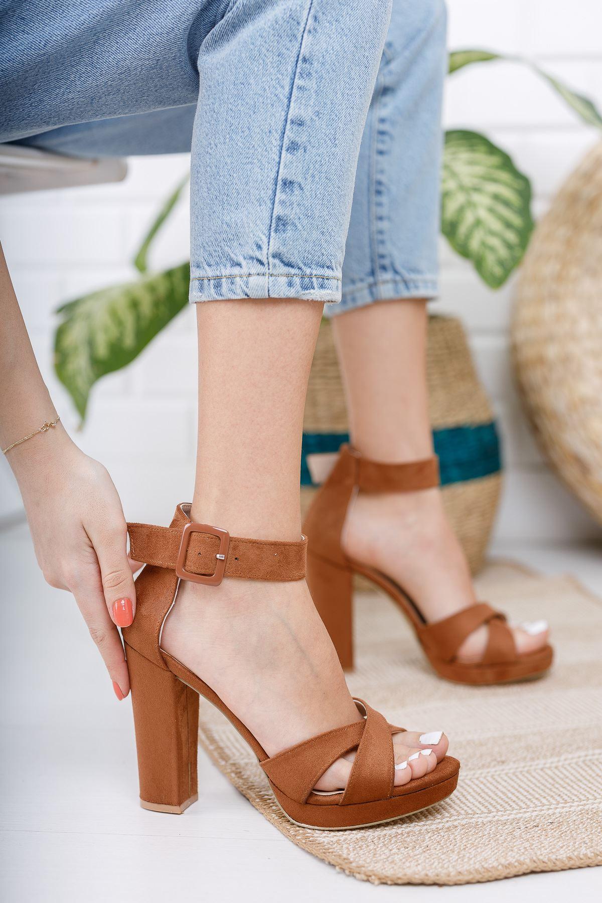 Kadın Loked Yüksek Topuklu Çapraz Bantlı Taba Süet Tek Bant Ayakkabı