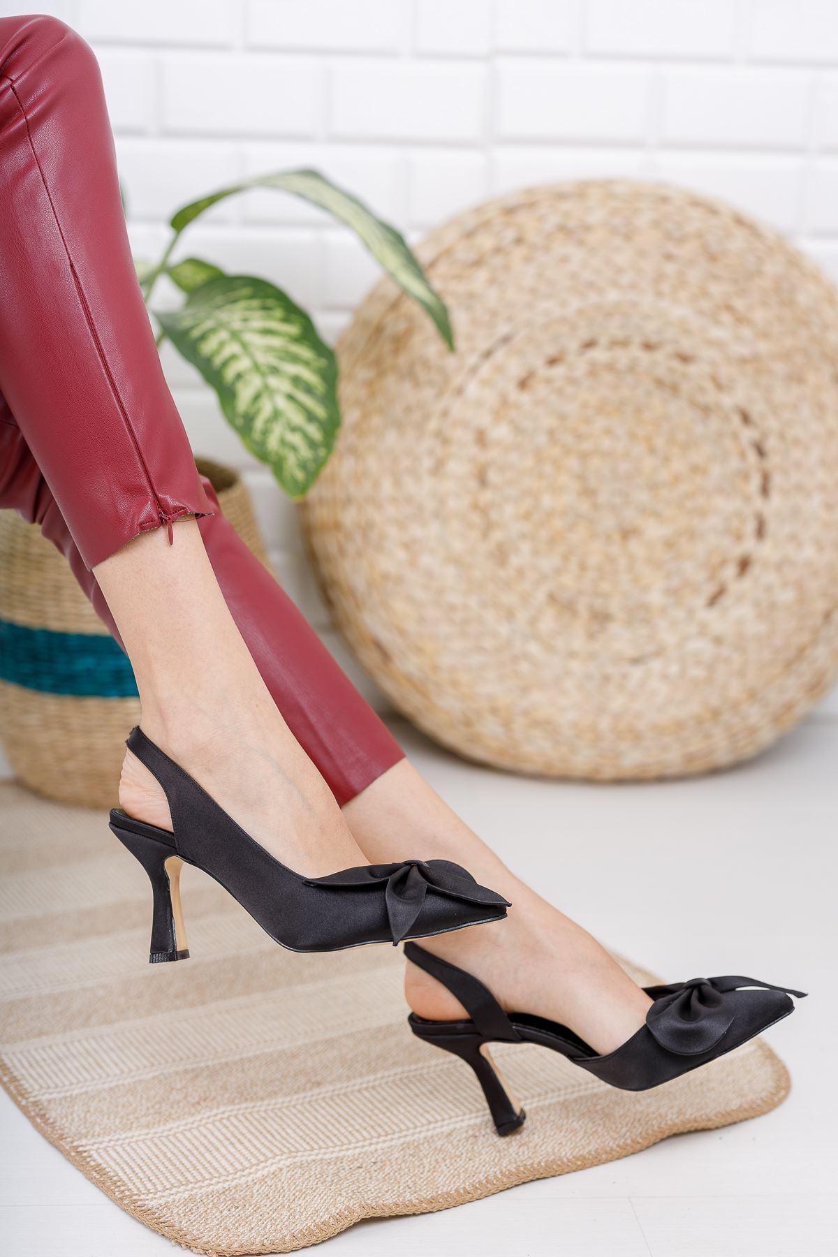 Kadın Siena  Papyonlu Siyah Saten İnce Topuklu Ayakkabı