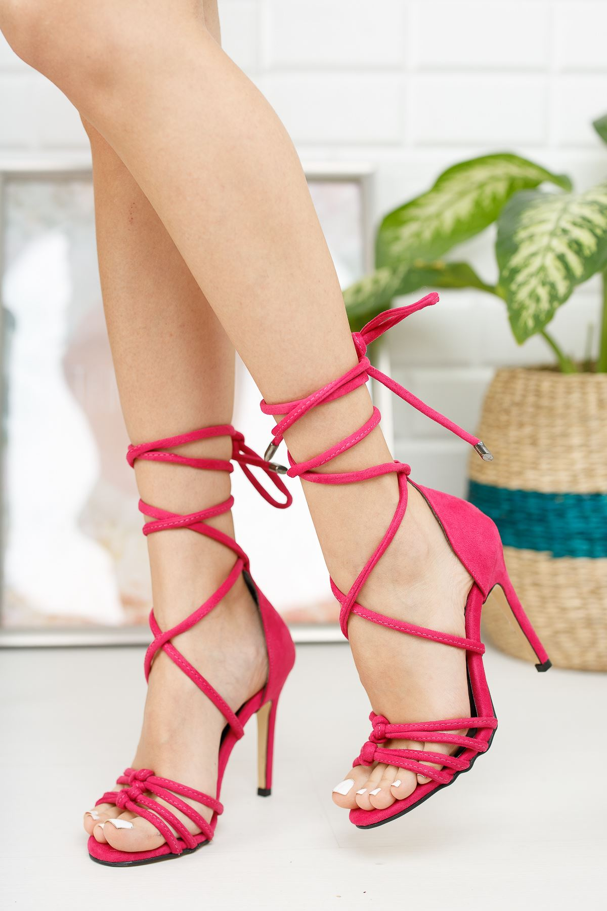 Kadın Miley Bağcık Detaylı  İnce Topuklu Fuşya Süet Ayakkabı