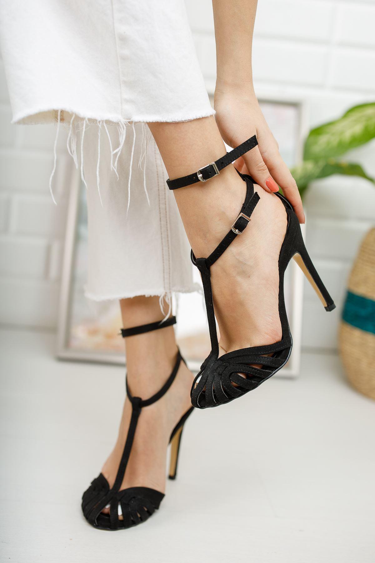 Kadın Vivaldi Kafes Detaylı İnce Topuklu Siyah Süet Ayakkabı