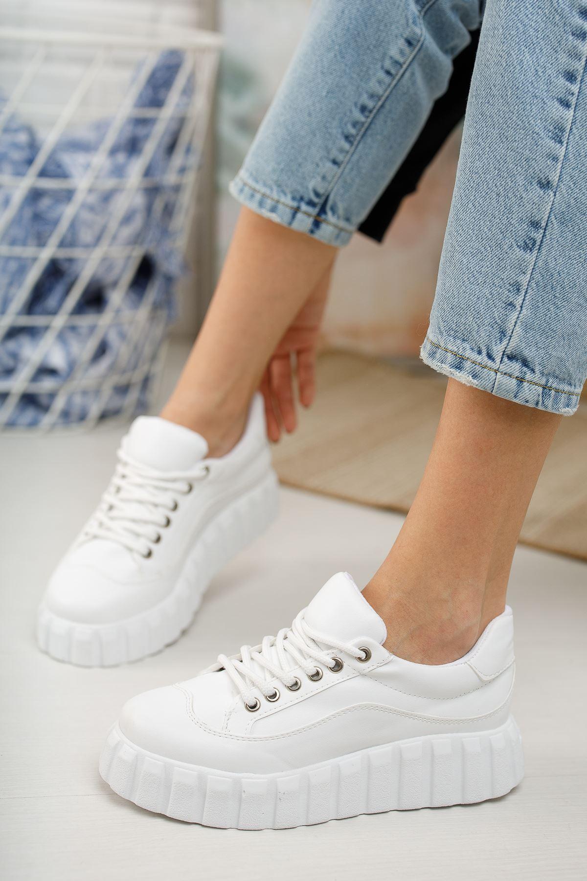 Kadın İgnes Kalın Taban Bağcıklı  Düz Beyaz Spor Ayakkabı