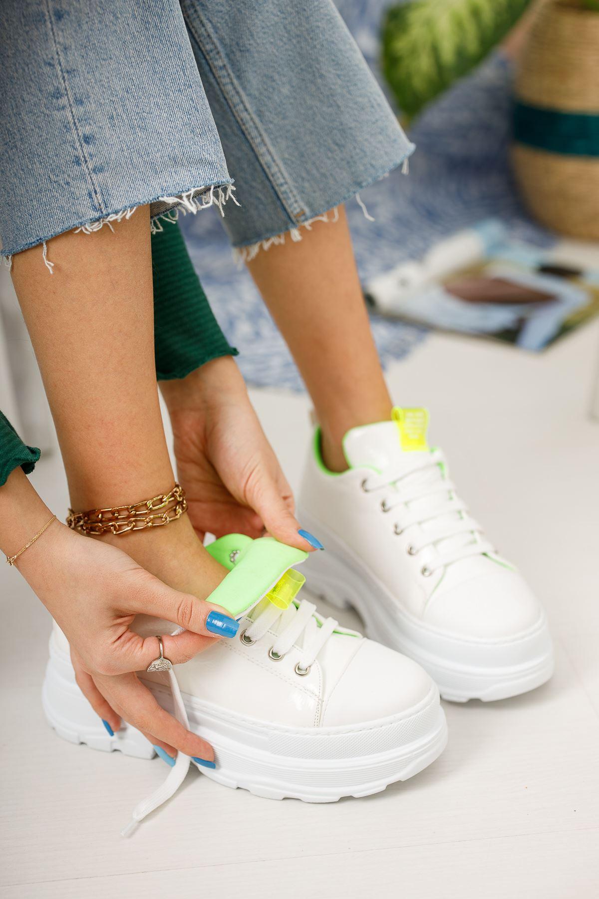 Kadın Diana Kalın Taban  Bağcık Detaylı Beyaz Rugan Spor Ayakkabı