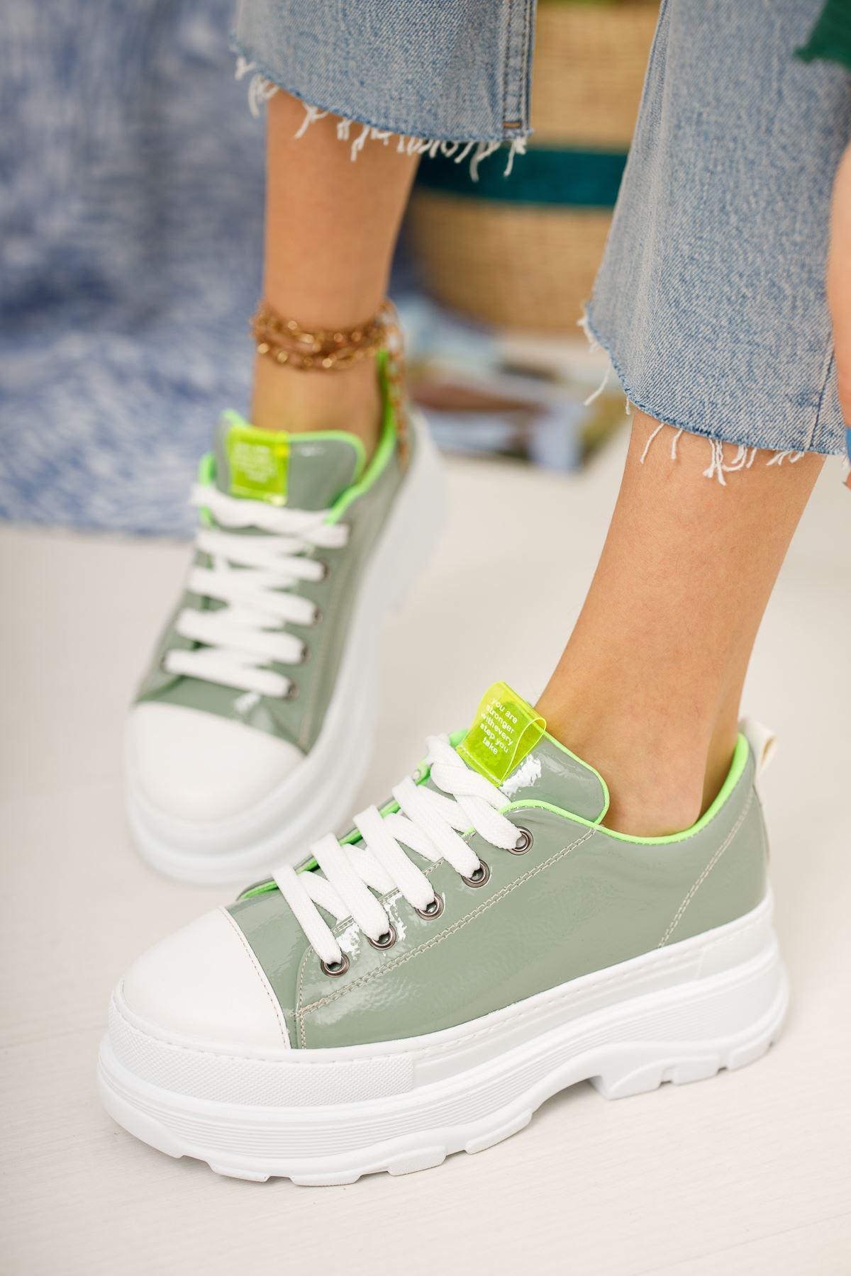 Kadın Diana Kalın Taban  Bağcık Detaylı Yeşil Rugan Spor Ayakkabı