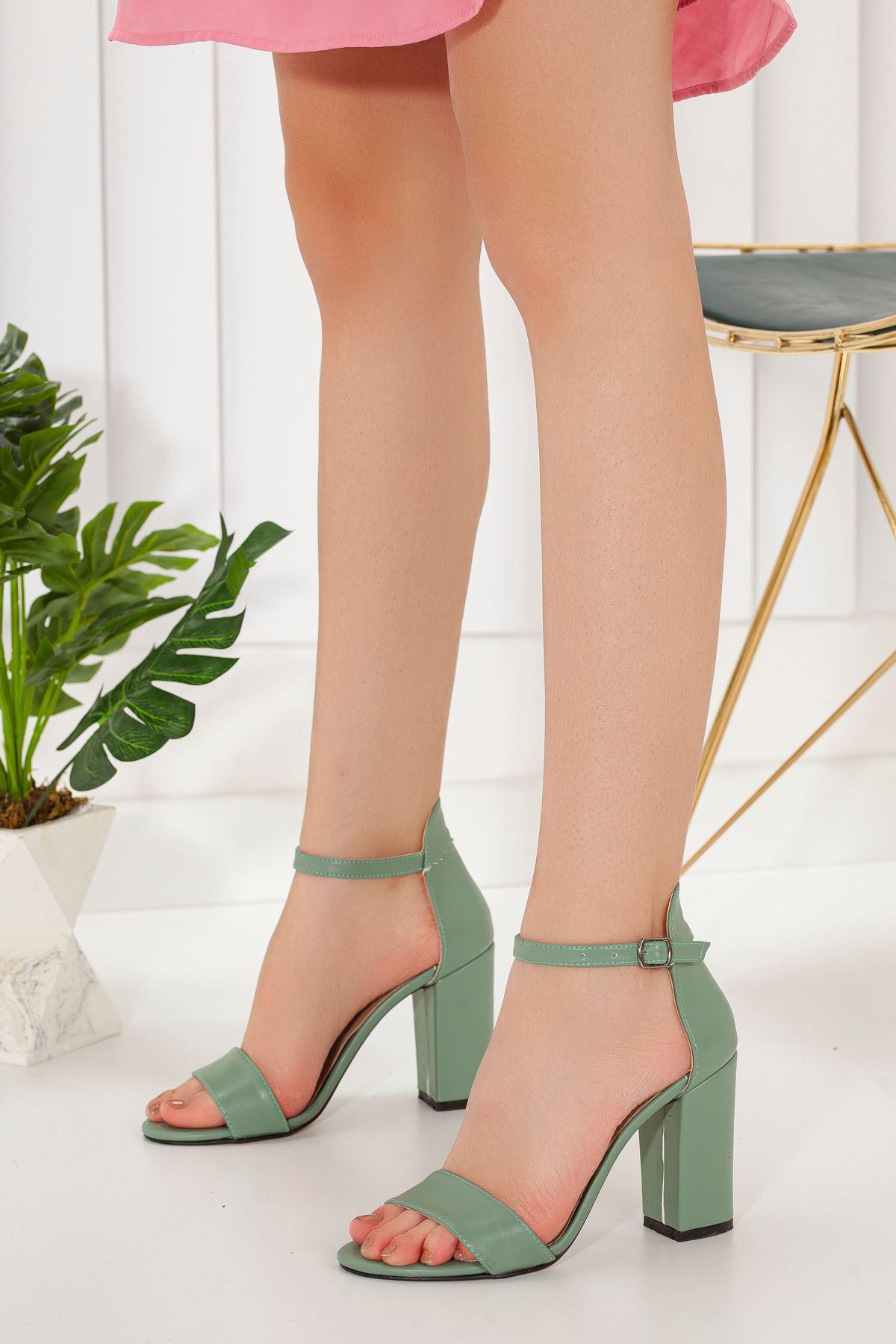 Kadın Perion Mat Deri Yeşil Topuklu Ayakkabı