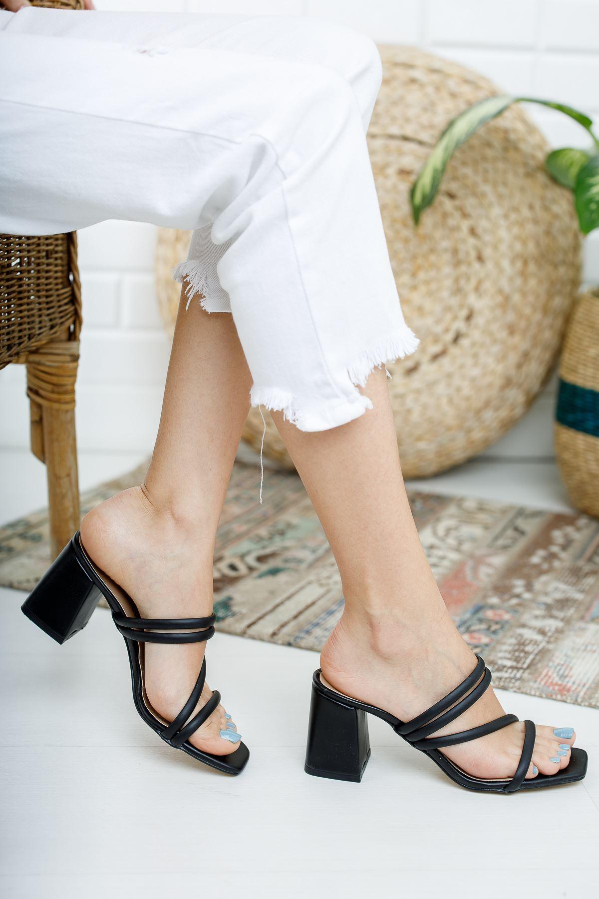 Kadın Elit Kısa Topuklu Mat Deri Siyah Terlik