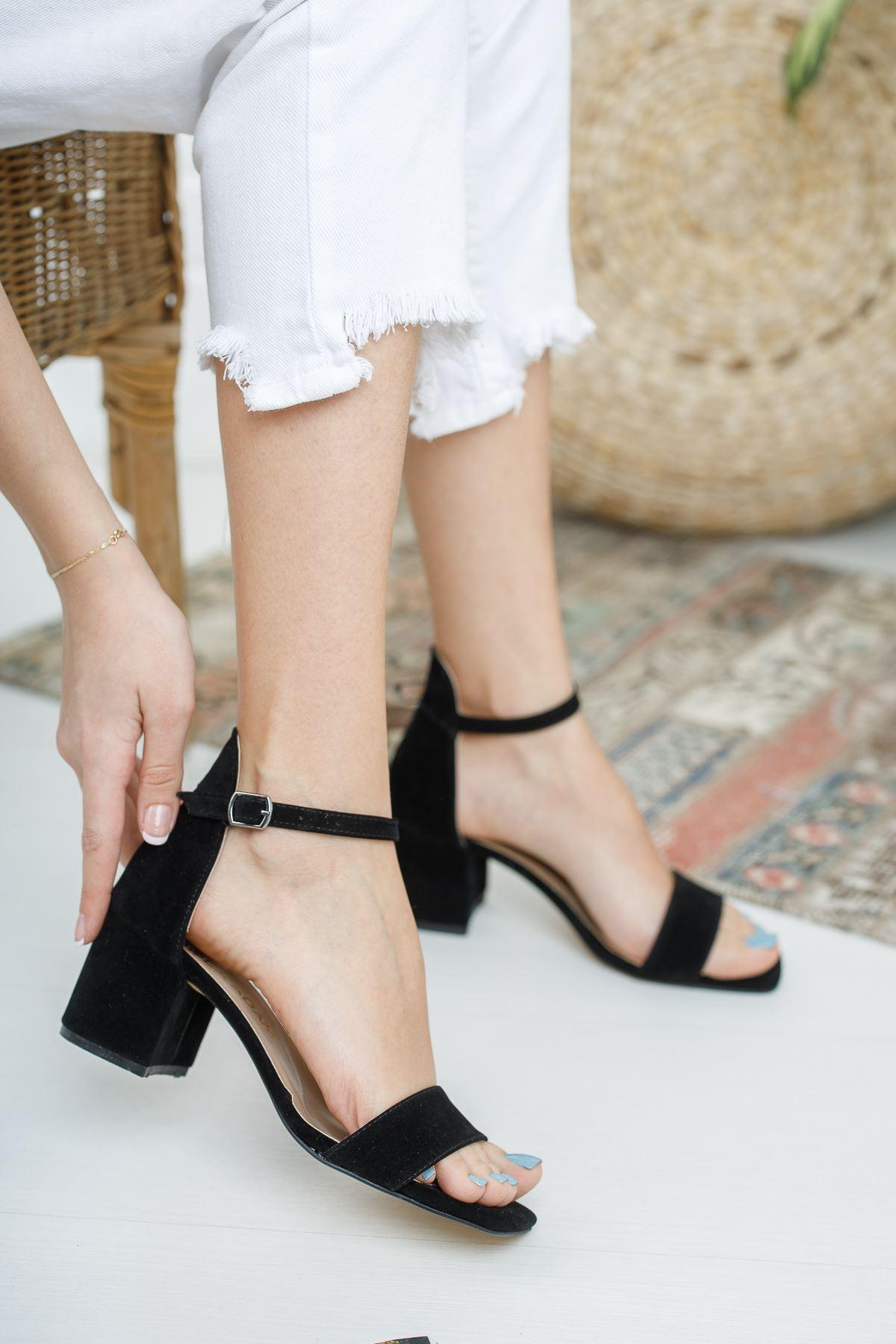 Kadın Tera Kısa Topuklu Köşe Burun Siyah Süet Tek Bant Ayakkabı