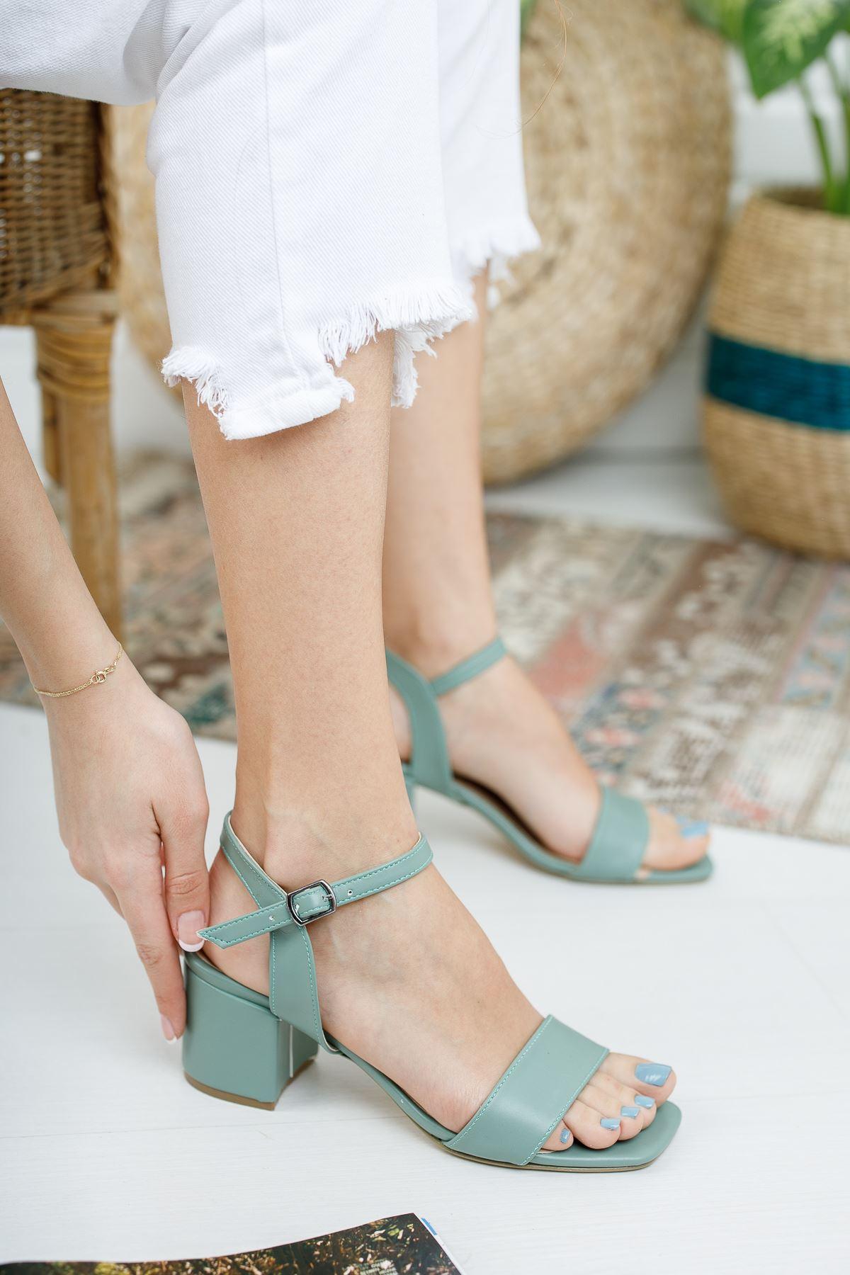 Kadın Canon Kısa Topuklu Mat Deri Yeşil  Ayakkabı Köşe Burun