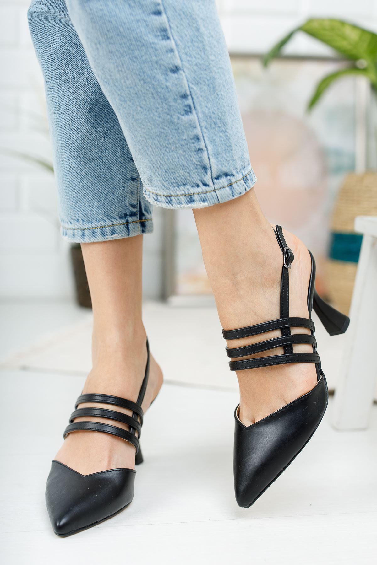 Kadın Minta Sivri Burun Mat Deri Siyah Kadeh Topuklu Ayakkabı