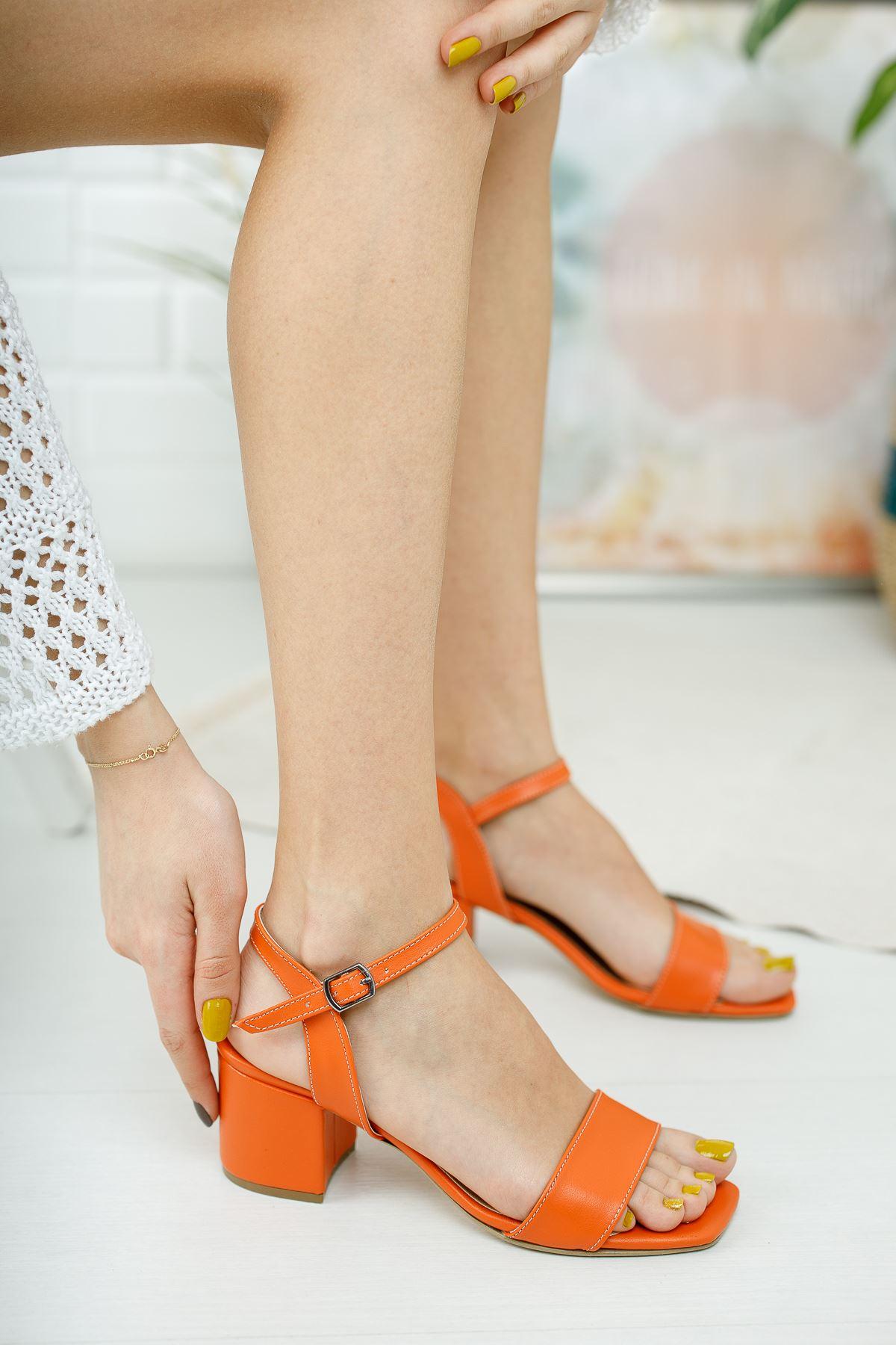 Kadın Canon Kısa Topuklu Köşe Burun Mat Deri Turuncu Ayakkabı