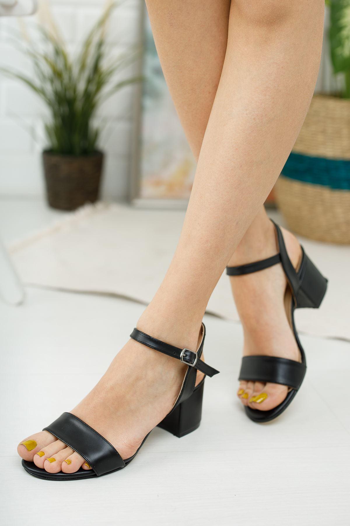 Kadın Lines Kısa Topuklu Kemerli Mat Deri  Siyah Ayakkabı