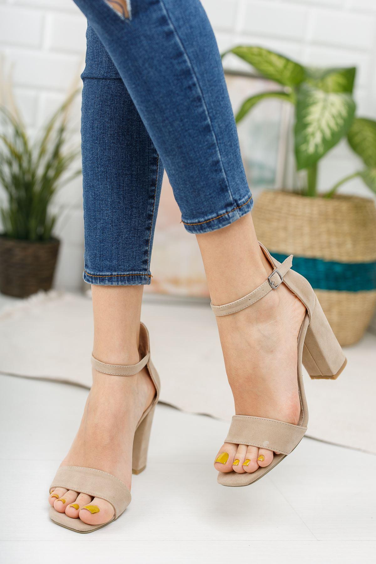Kadın Tosion Yüksek Topuklu Köşe Burun Ten Süet Tek Bant Ayakkabı