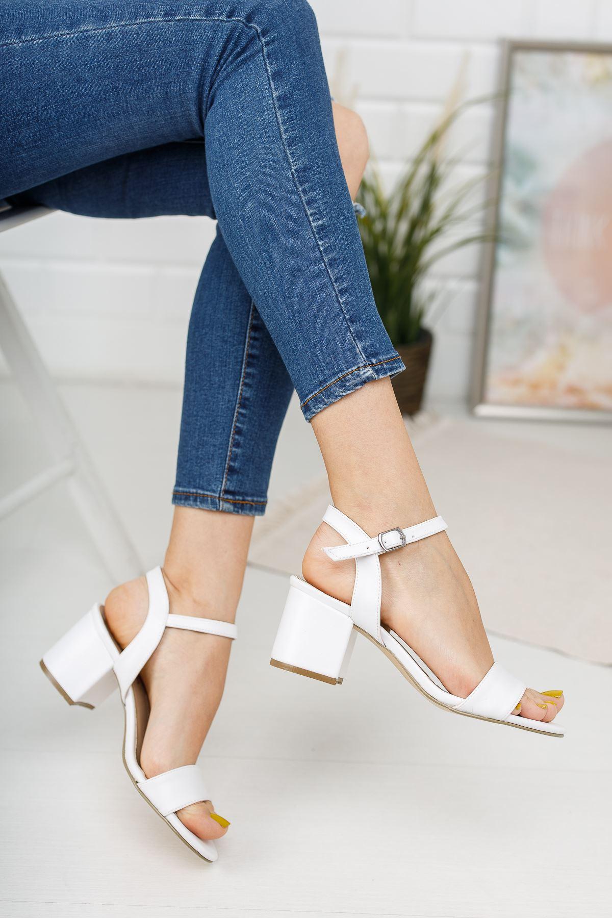 Kadın Lines Kısa Topuklu Kemerli Mat Deri  Beyaz Ayakkabı