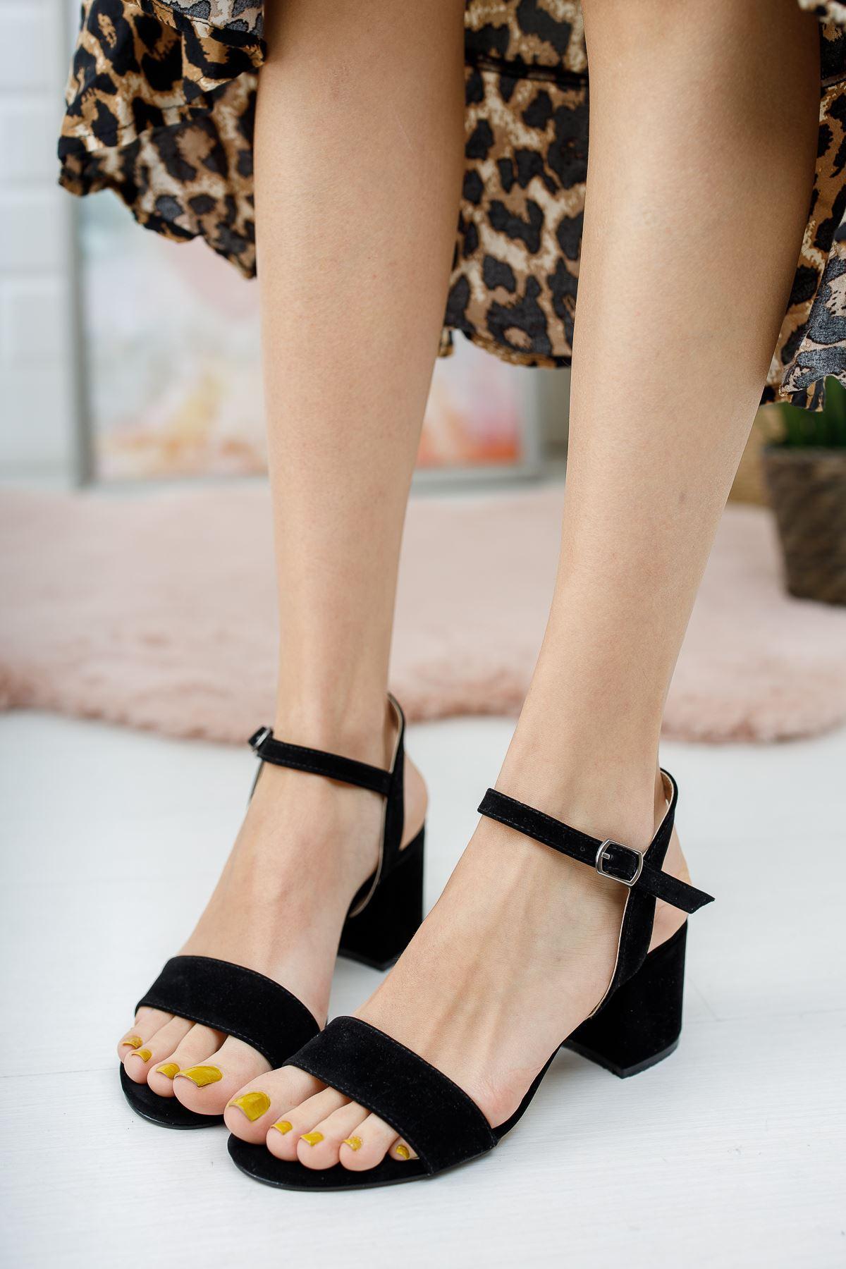 Kadın Lines Kısa Topuklu Kemerli Siyah Süet Ayakkabı