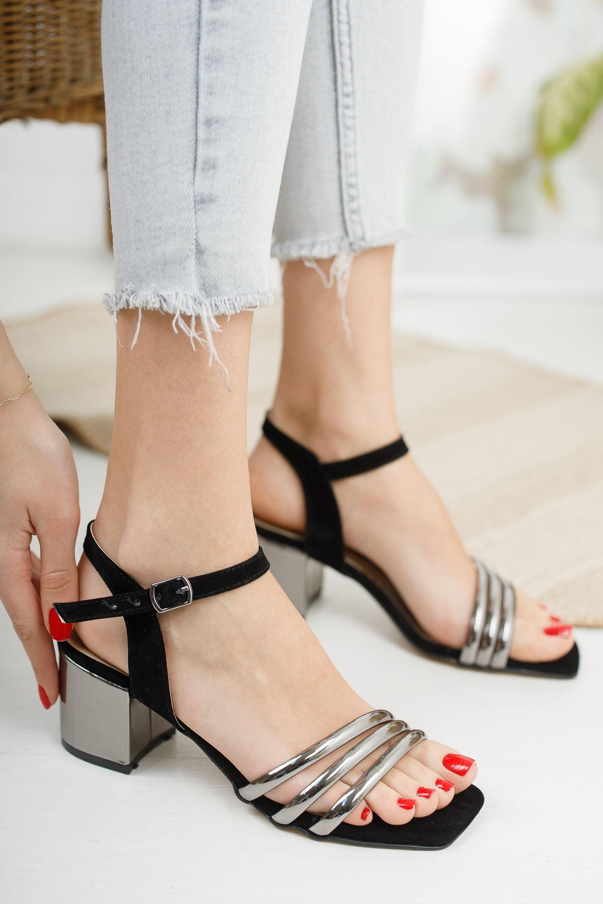 Kadın Holla Kısa Topuklu Siyah-Platin Ayakkabı