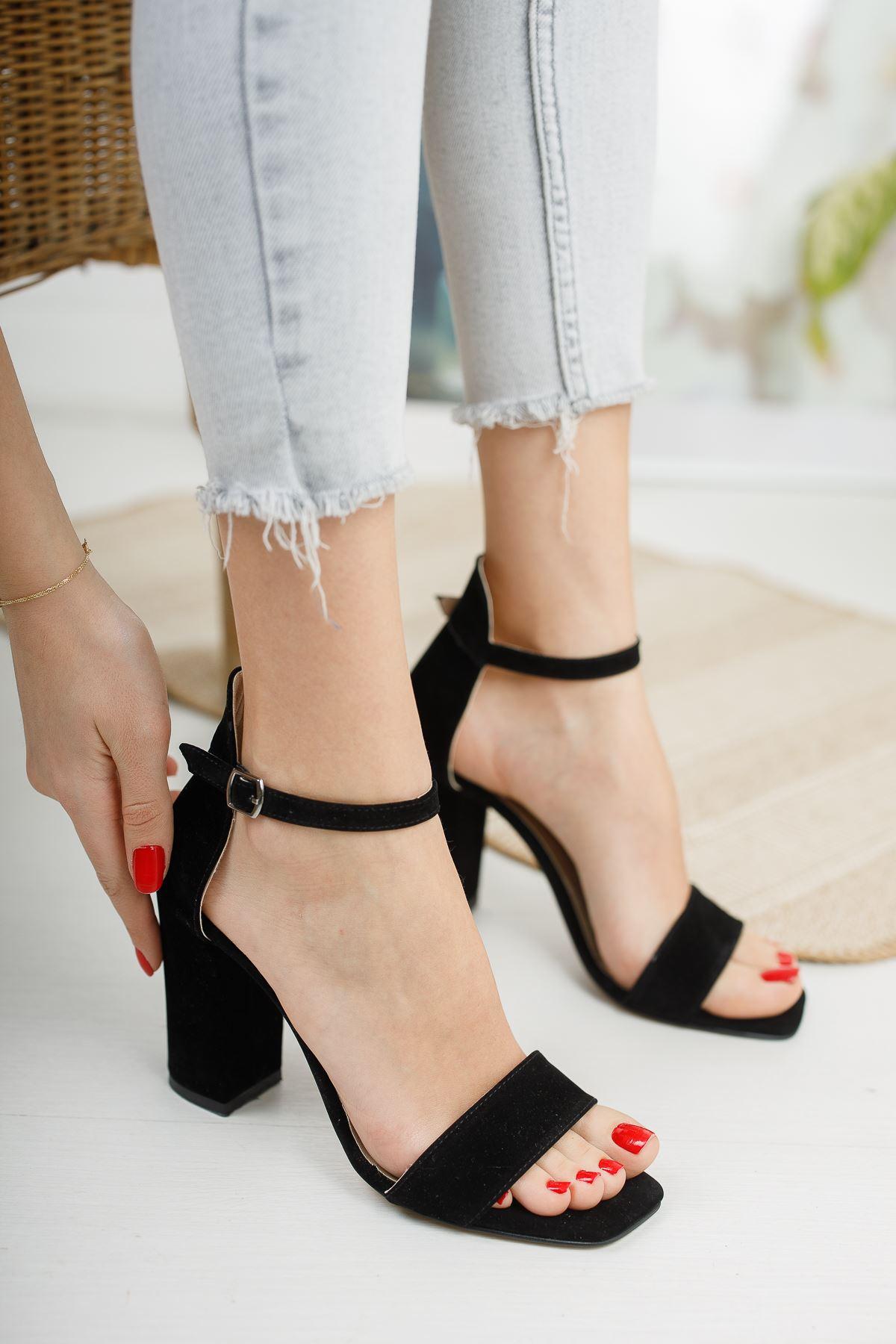 Kadın Tosion Yüksek Topuklu Köşe Burun  Siyah Süet Tek Bant Ayakkabı