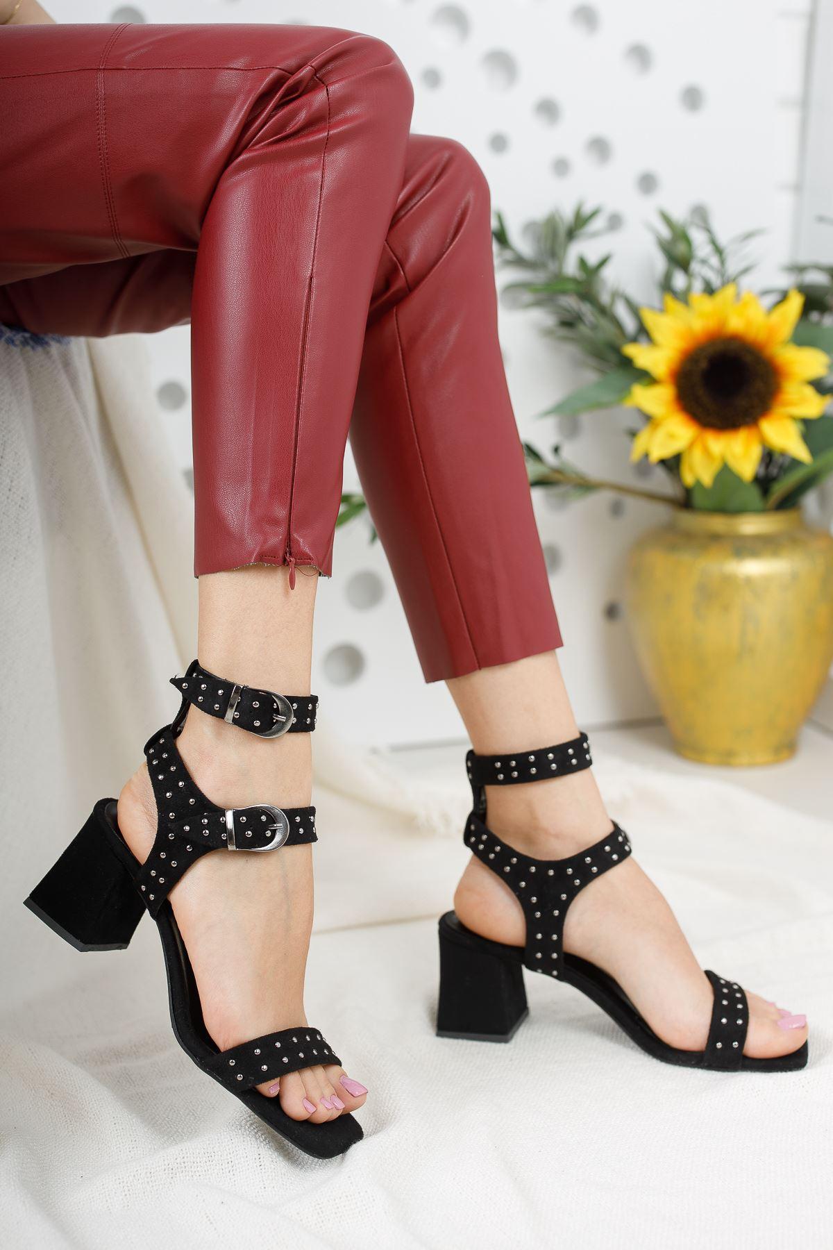 Kadın Elise Kısa Topuklu Trok Detaylı Küt Burun Siyah Süet  Topuklu Ayakkabı