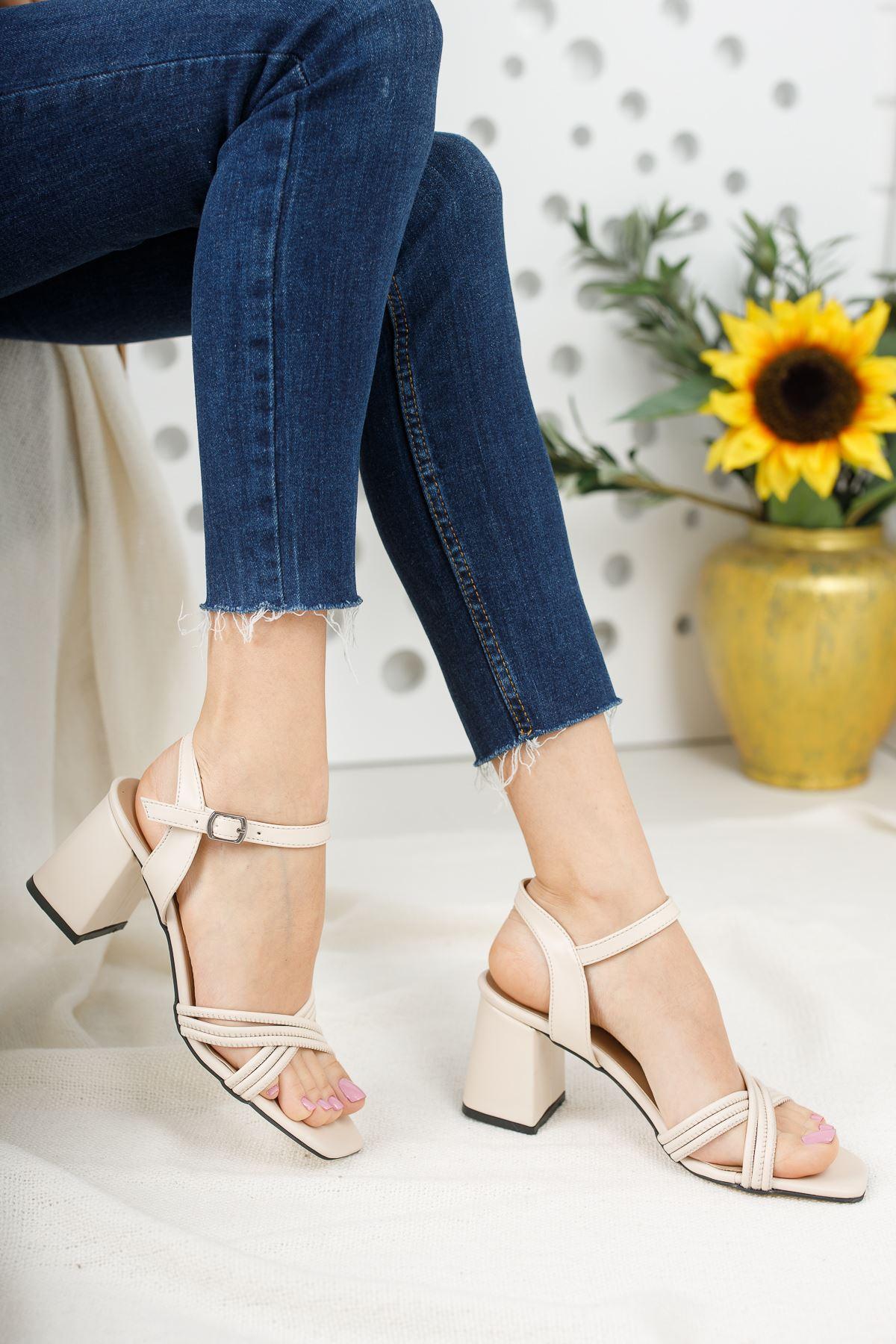 Kadın Yuli Kısa Topuklu Çapraz Biyeli Mat Deri Ten Topuklu Ayakkabı