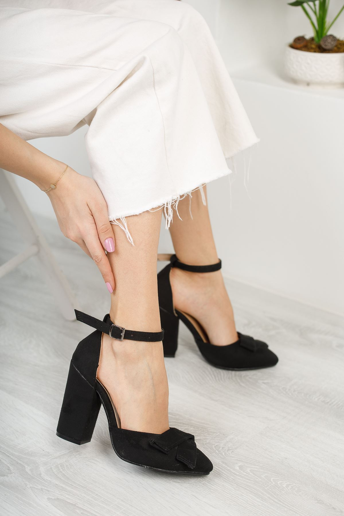 Kadın Cines Kalın Topuklu Yüksek Topuklu Siyah Süet Ayakkabı Sivri Burun