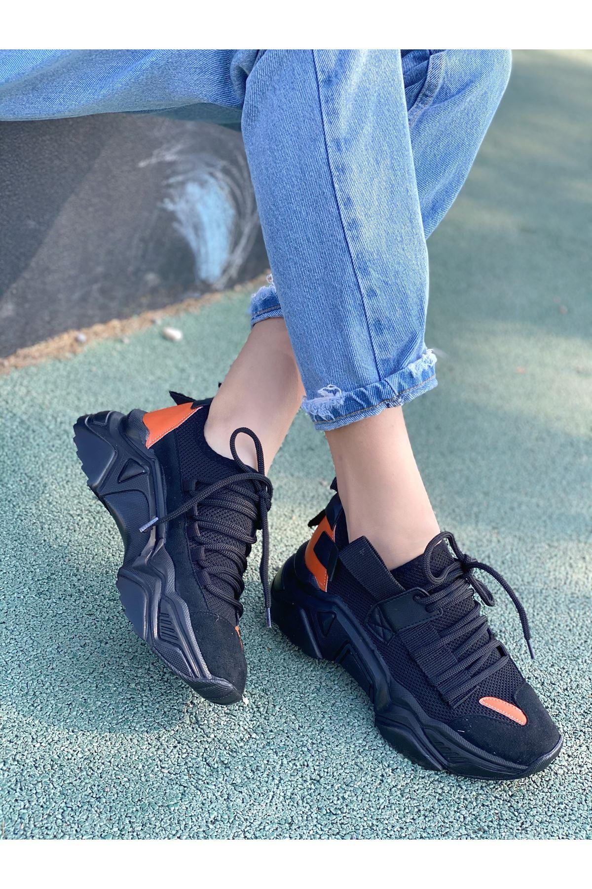 Kadın Kuli Triko Malzeme Bağcık Detaylı Kalın Taban Siyah Spor Ayakkabı