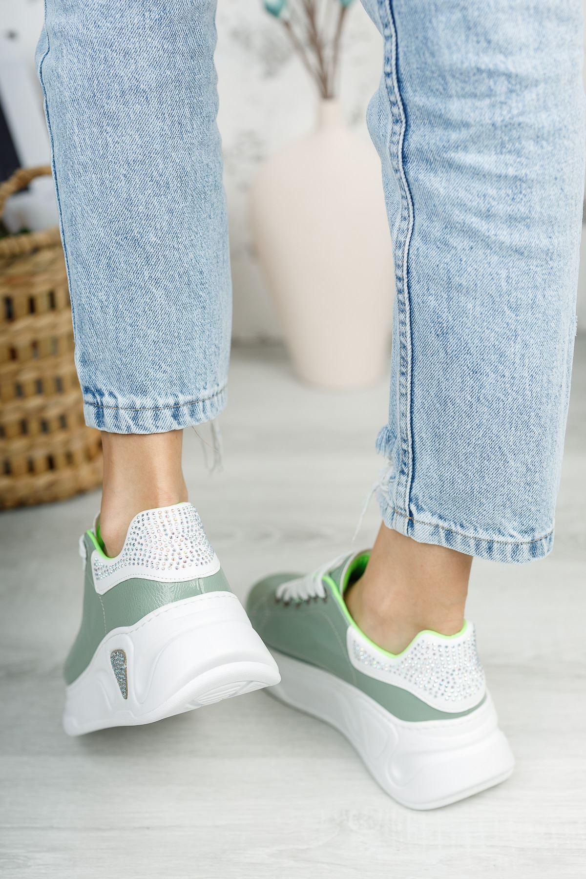 Kadın Taylor Taş Detay Kalın Taban Yeşil Spor Ayakkabı Bağcıklı Mat Deri