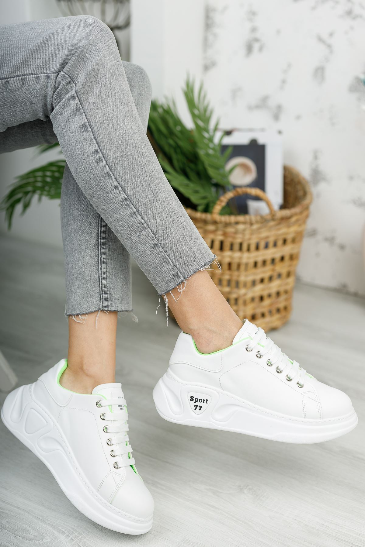 Kadın Taylor Kalın Taban Bağcıklı Mat Deri Düz Beyaz Spor Ayakkabı