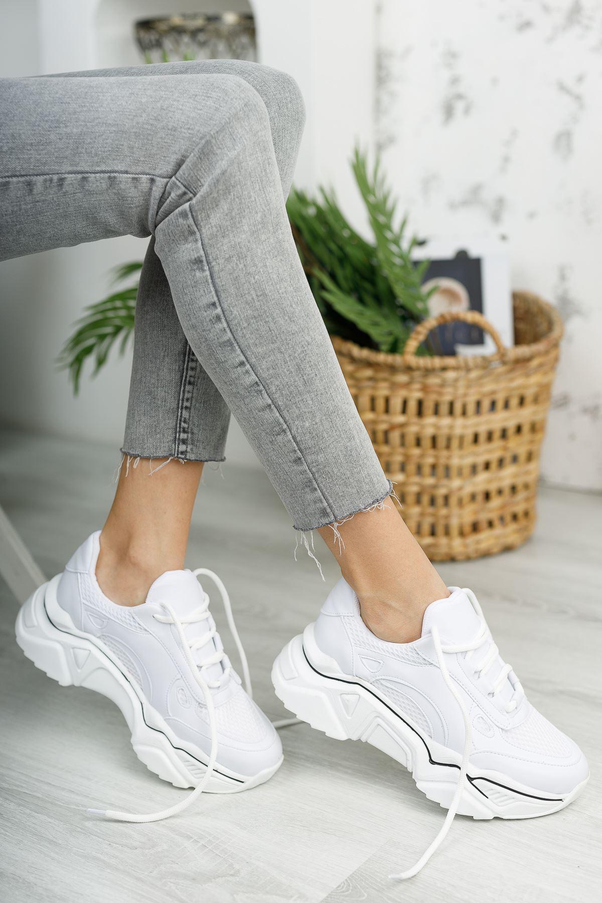 Kadın Raster Kalın Taban Beyaz Spor Ayakkabı