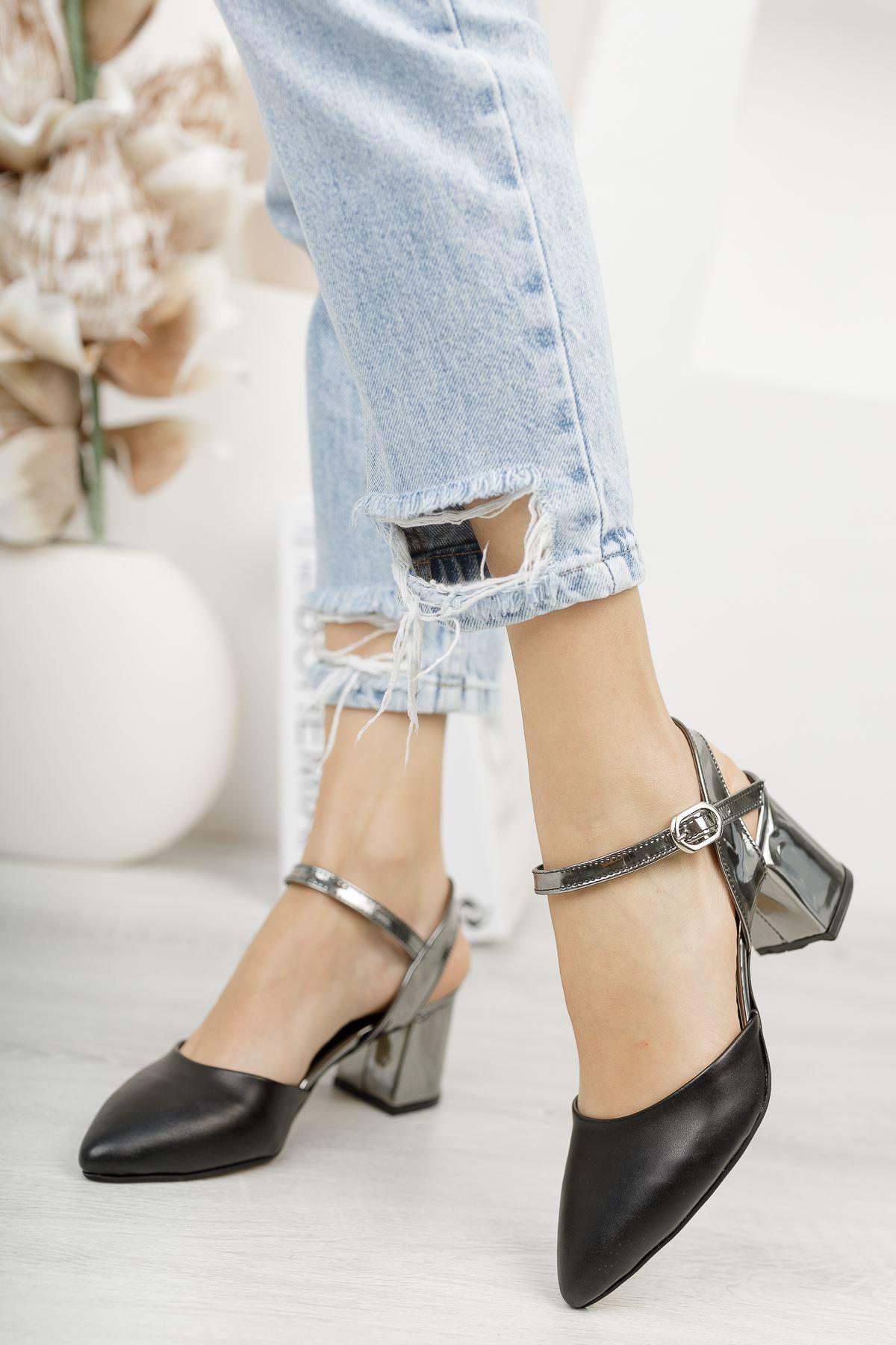 Kadın Vodes Kemer Detaylı Mat Deri Ayna Topuklu Siyah Ayakkabı