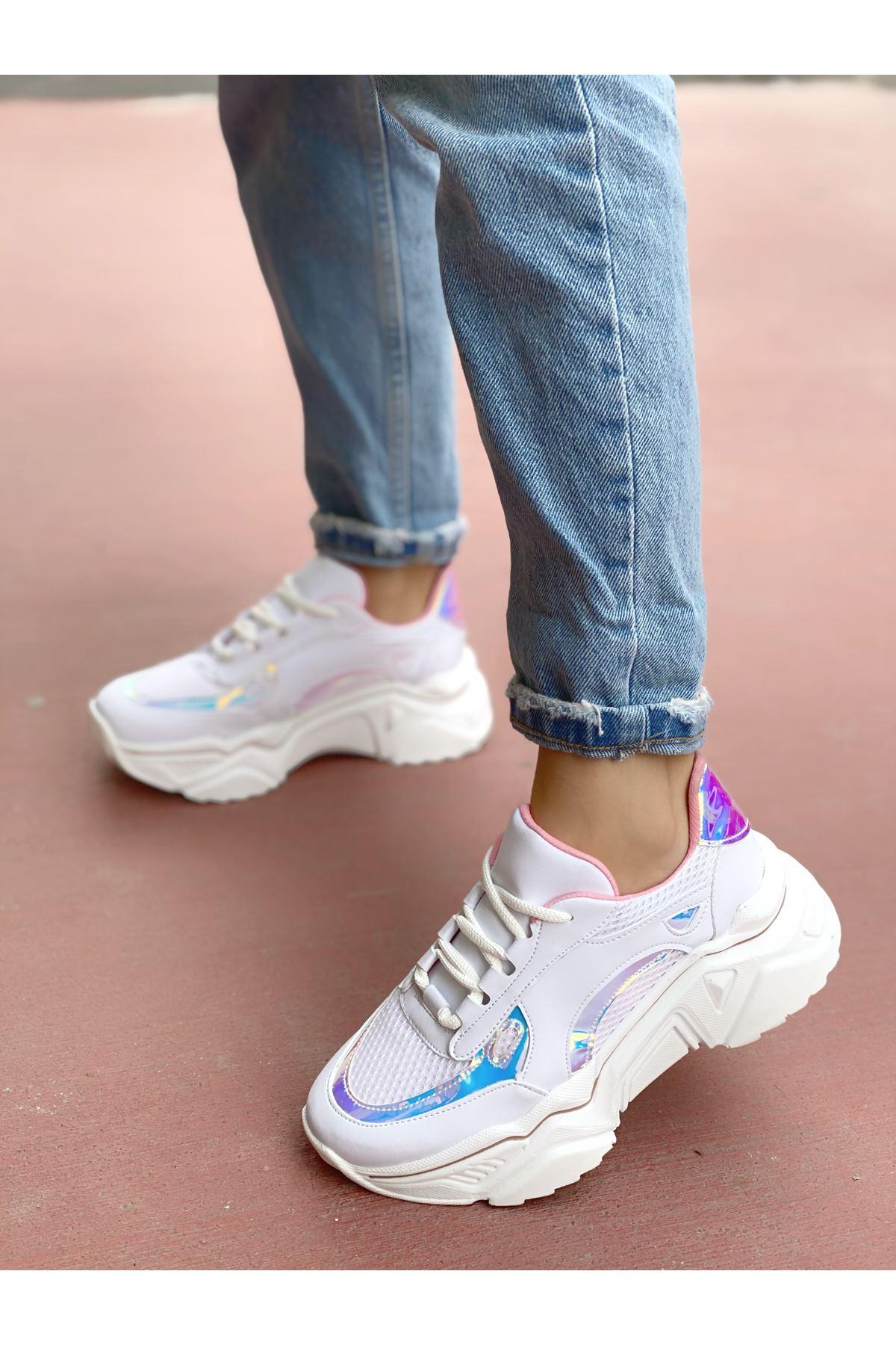 Kadın Raster Hologram Detay Kalın Taban Beyaz Spor Ayakkabı