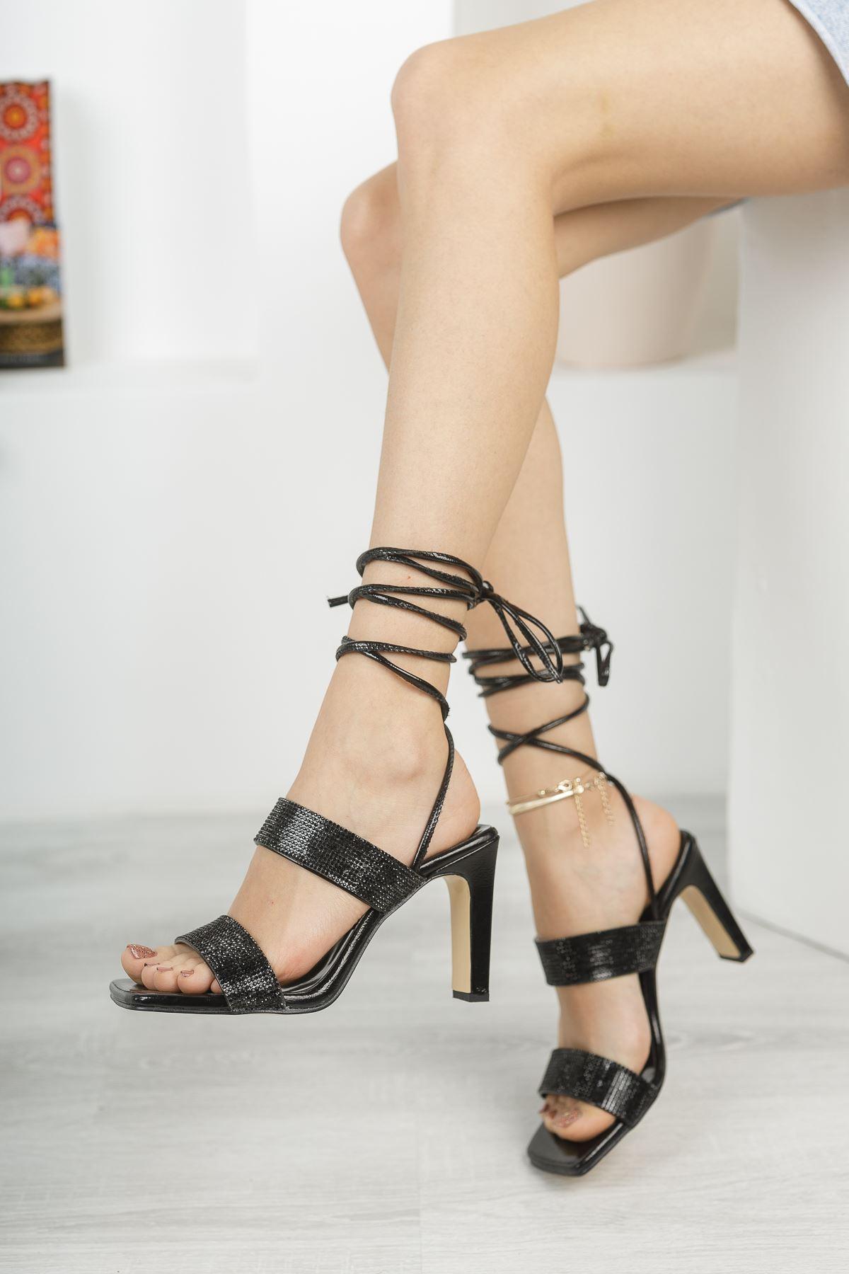 Kadın Jabel Mat Deri Bilekten Bağlama Detaylı Yüksek Topuklu Ayakkabı Siyah