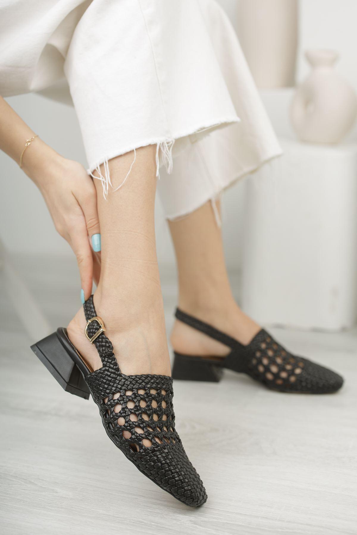 Kadın Terry Örgü Detay Mat Deri Siyah Kısa Topuklu Ayakkabı
