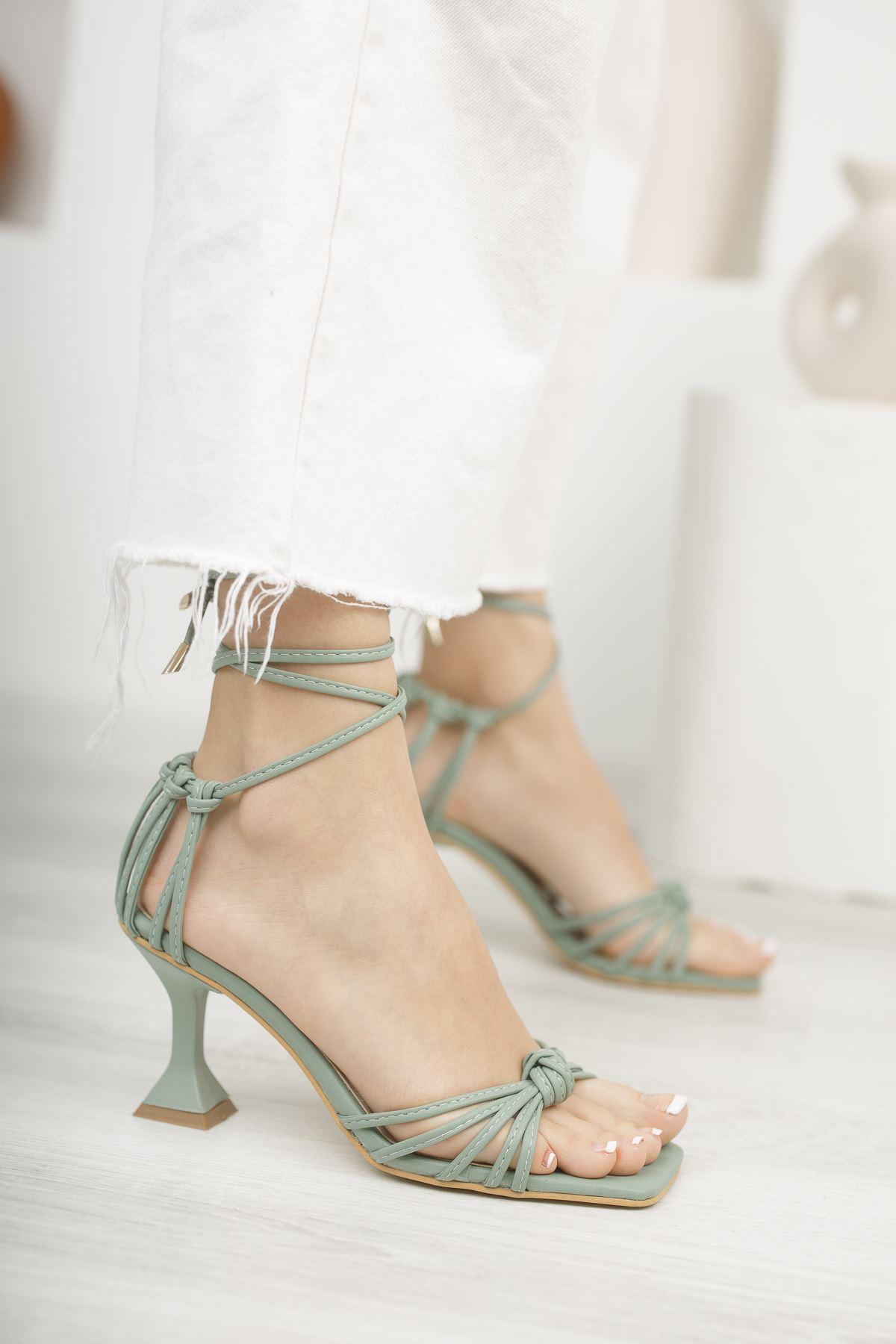 Kadın Gladis Mat Deri Yeşil Topuklu Ayakkabı   Bilekten Bağlama Detaylı
