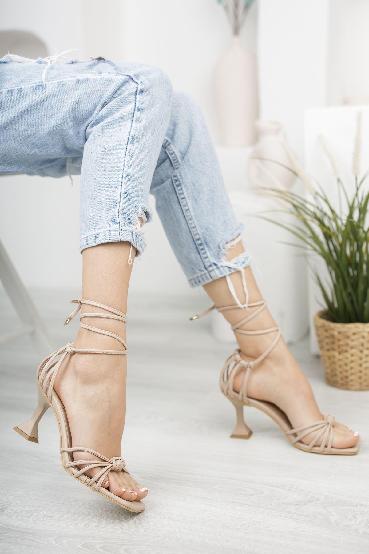 Kadın Gladis Mat Deri Ten Renk Bilekten Bağlama Detaylı  Topuklu Ayakkabı