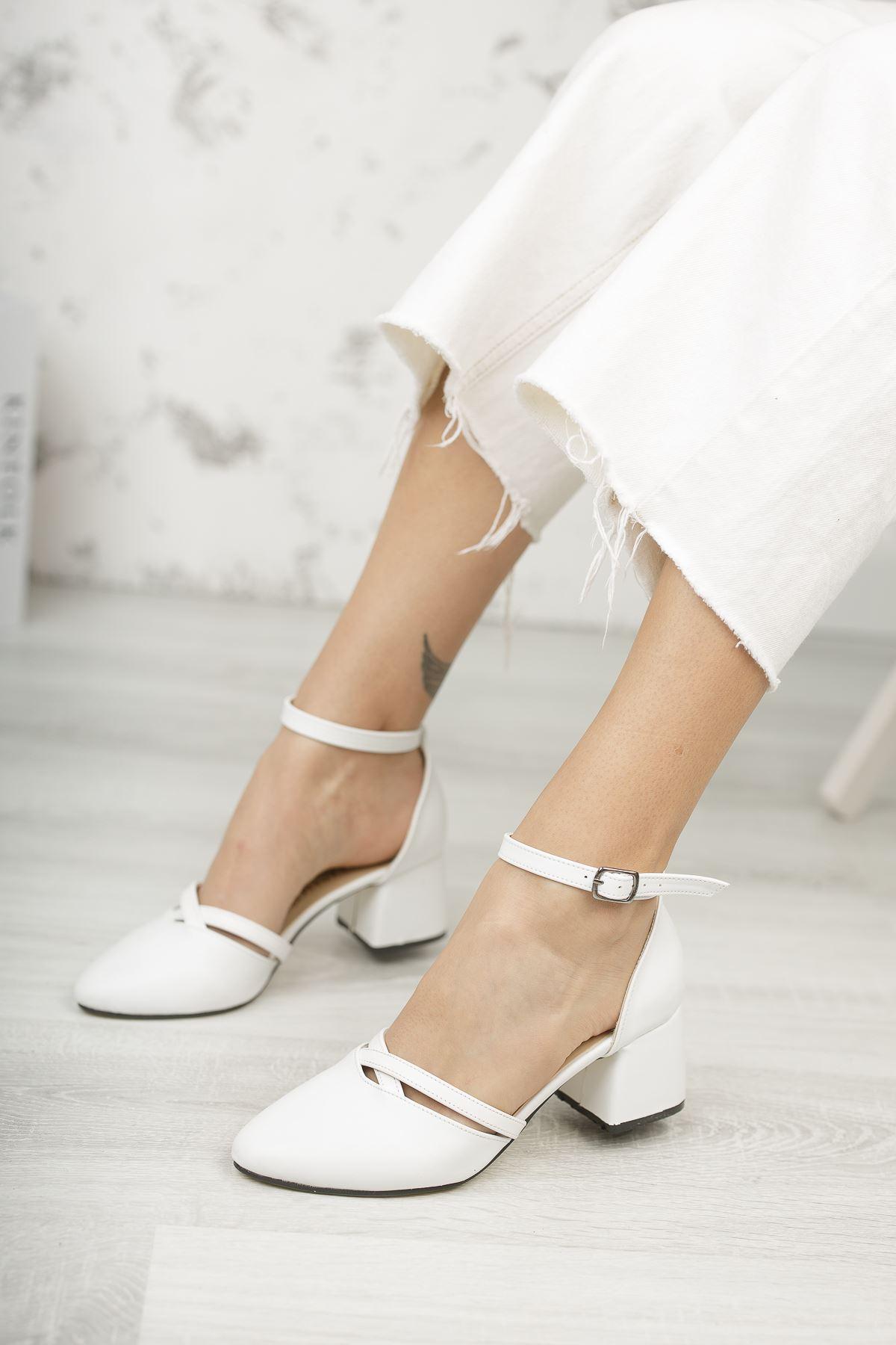 Kadın Lauso Mat Deri Beyaz  Kısa Topuklu Ayakkabı
