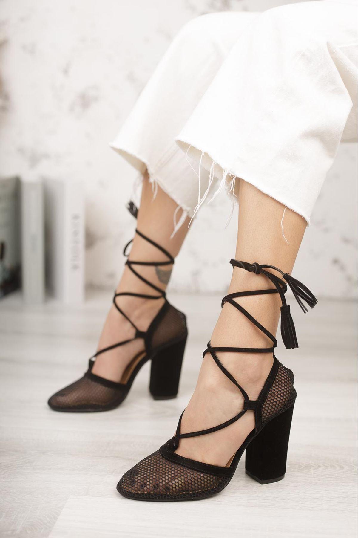 Kadın Tores File Detaylı Siyah Topuklu Ayakkabı
