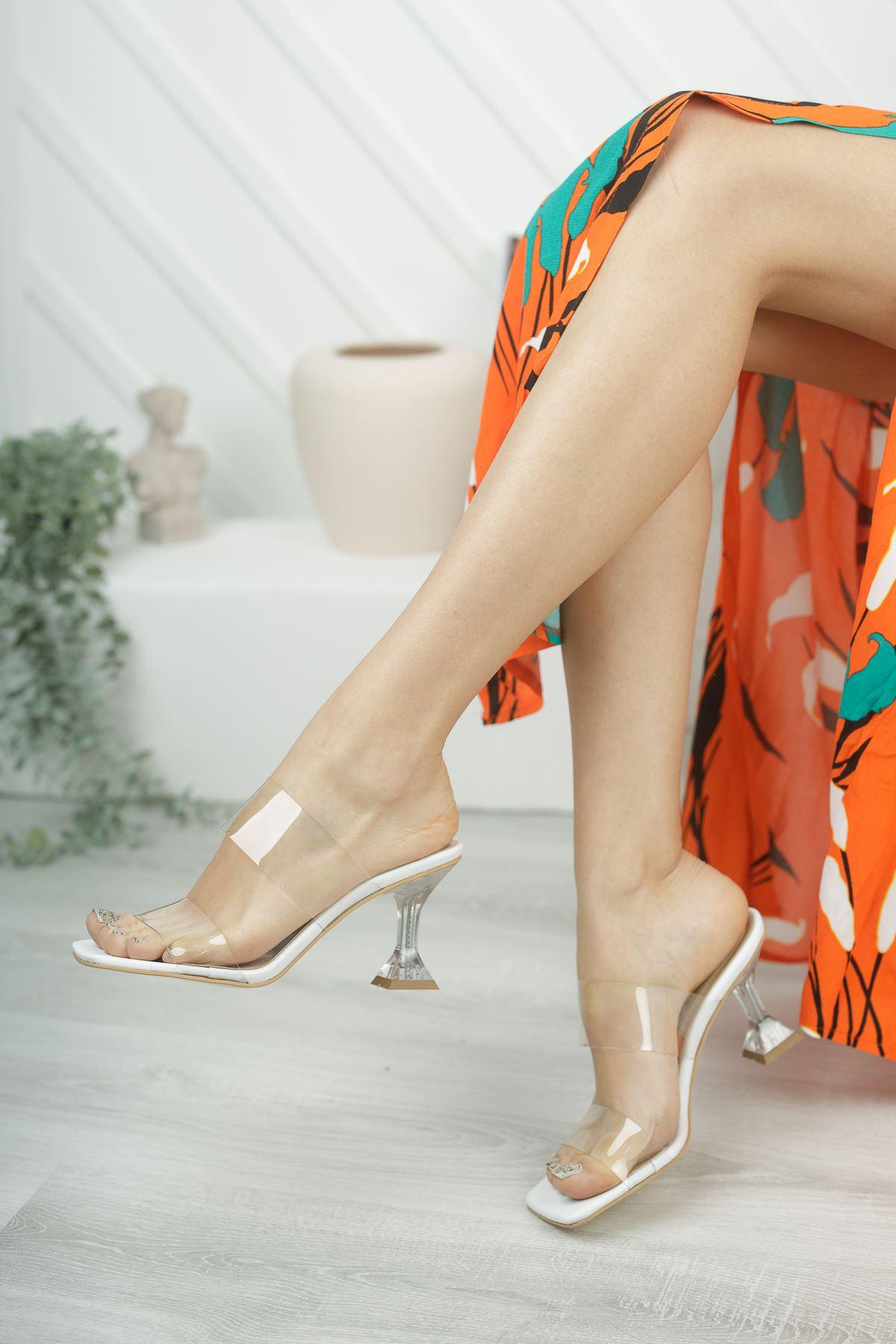 Kadın Runi Kadeh Topuklu Şefaf Bantlı Beyaz Topuklu Terlik