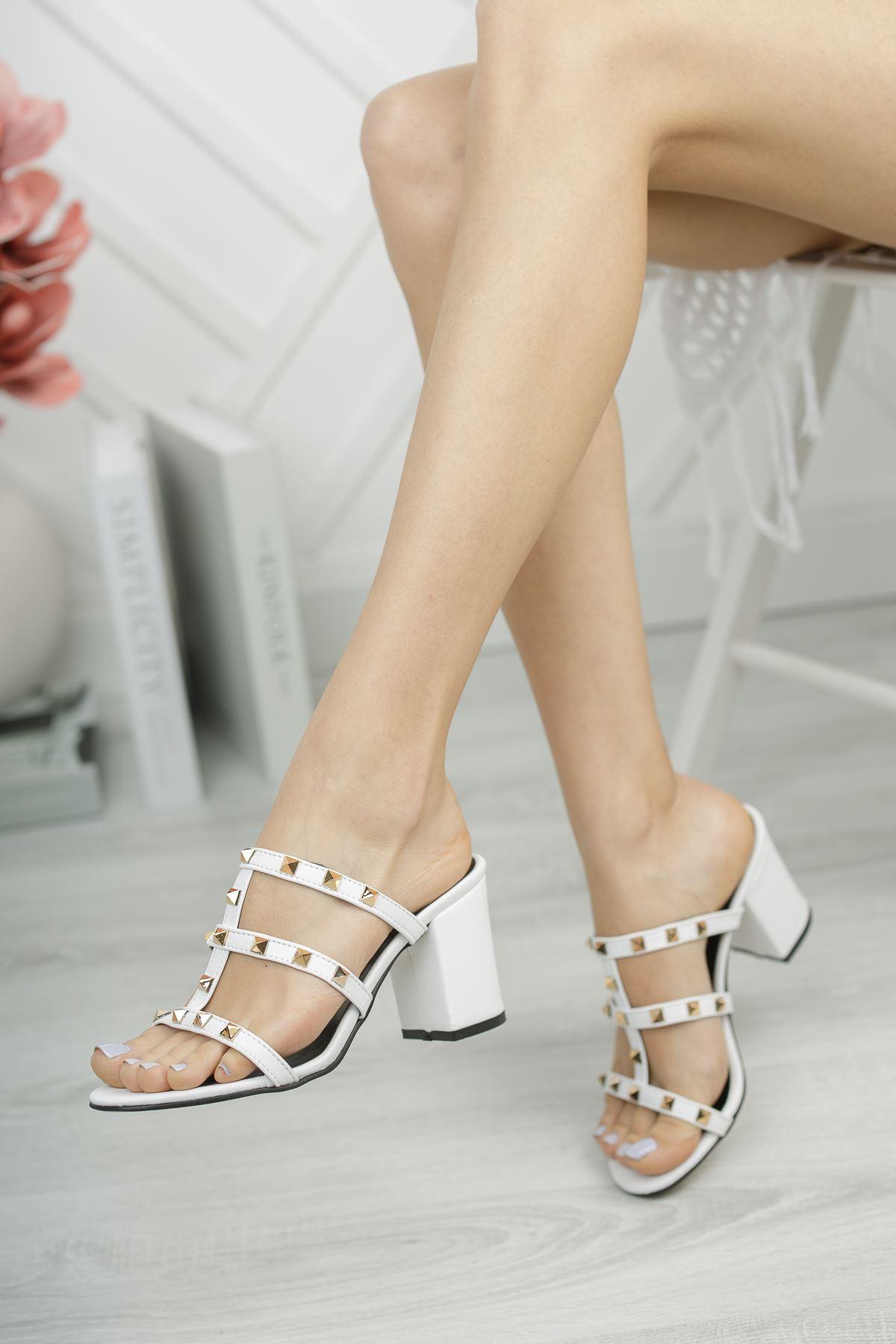 Kadın Sendi Trok Detaylı Beyaz Topuklu Terlik
