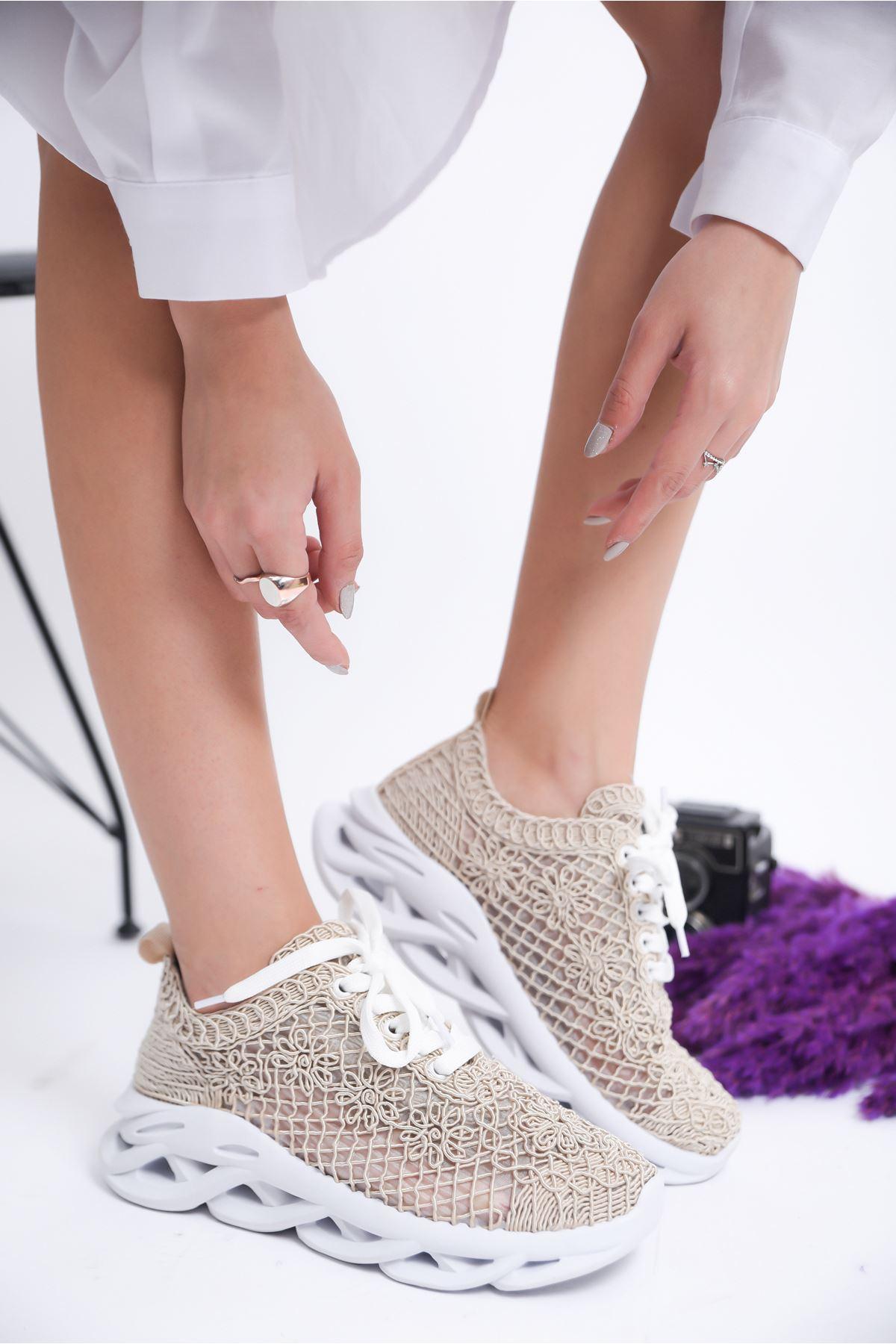 Kadın Minake Kalın Taban Örgü Detay Gri Spor Ayakkabı