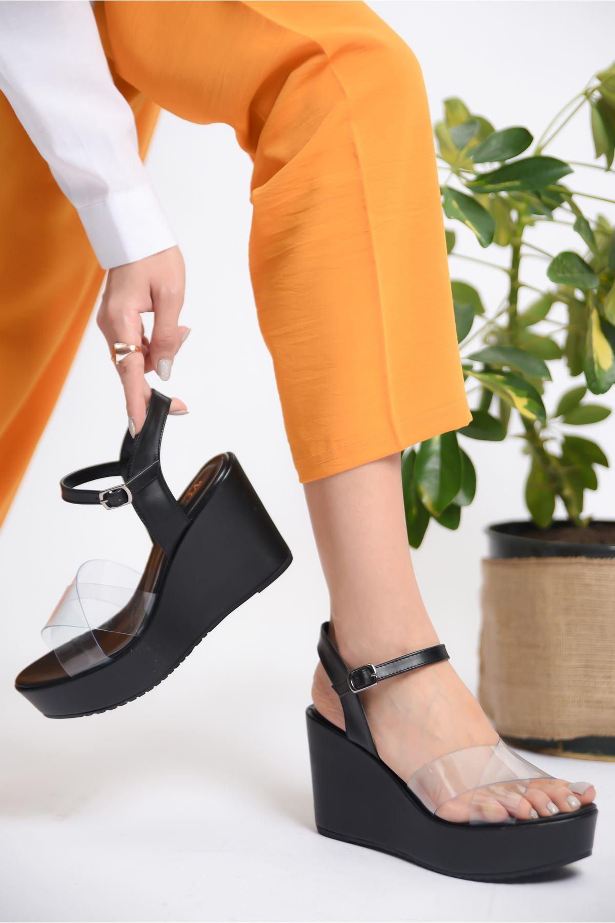 Kadın Flames Dolgu Topuklu Şeffaf Bantlı Siyah Ayakkabı