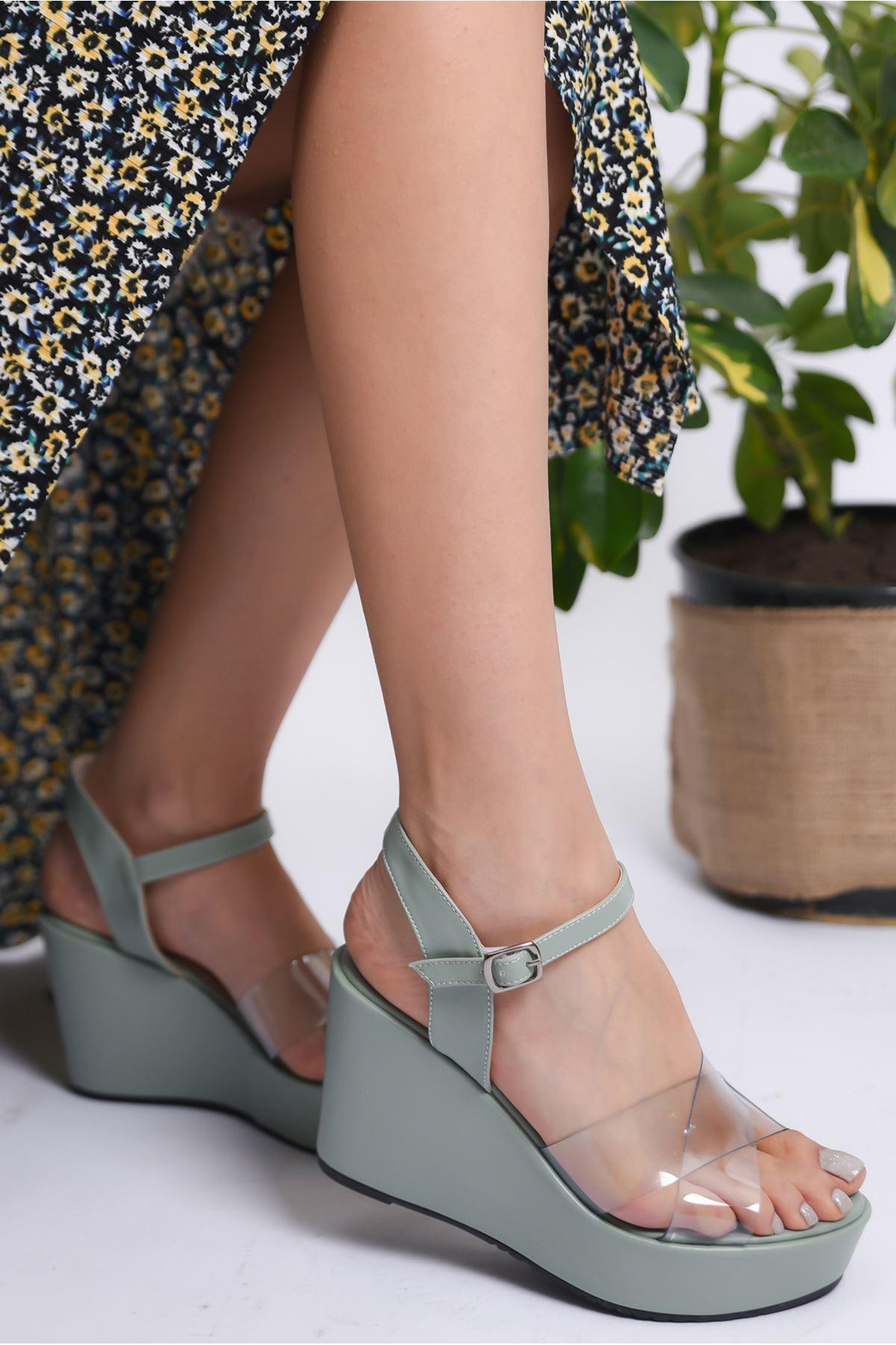 Kadın Flames Dolgu Topuklu Şeffaf Bantlı Yeşil Ayakkabı
