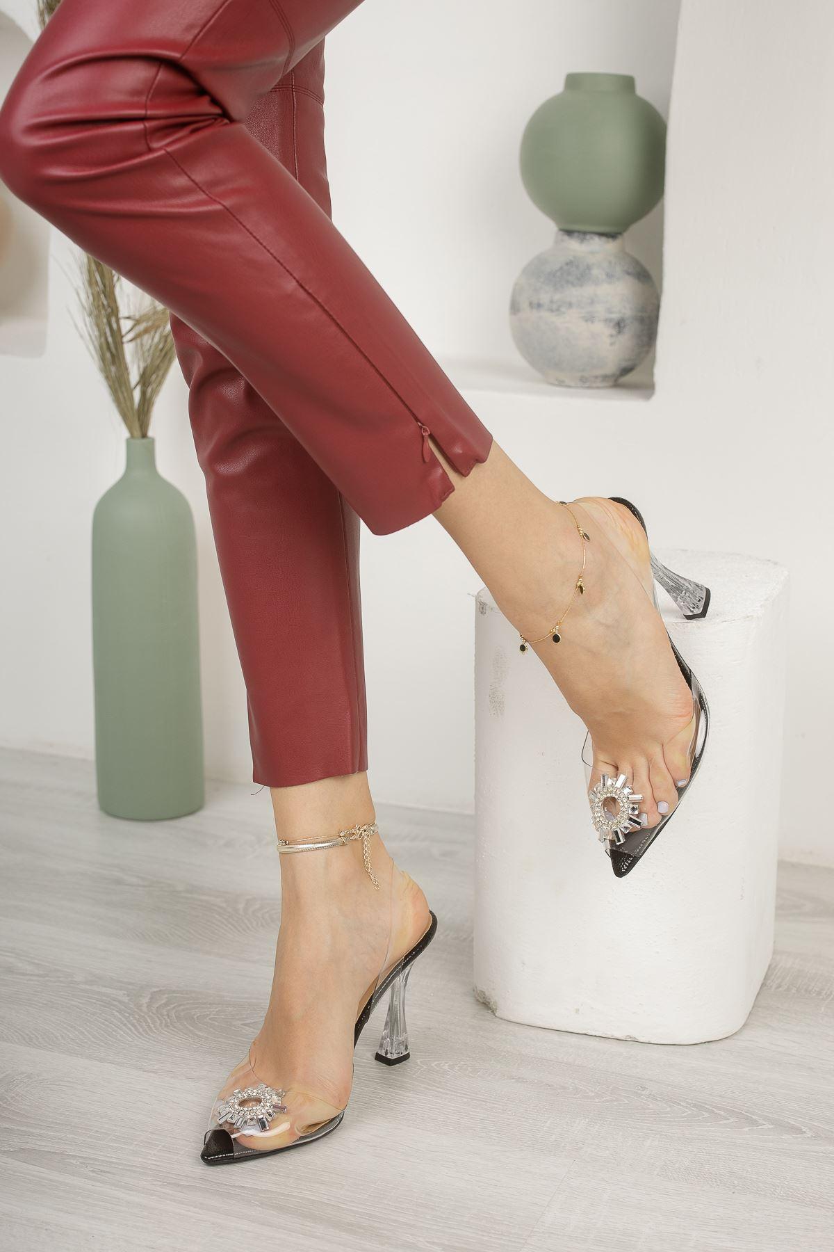 Kadın Askar Siyah Şeffaf Deri Kristal Taş Detaylı Yüksek Topuklu Şeffaf  Ayakkabı