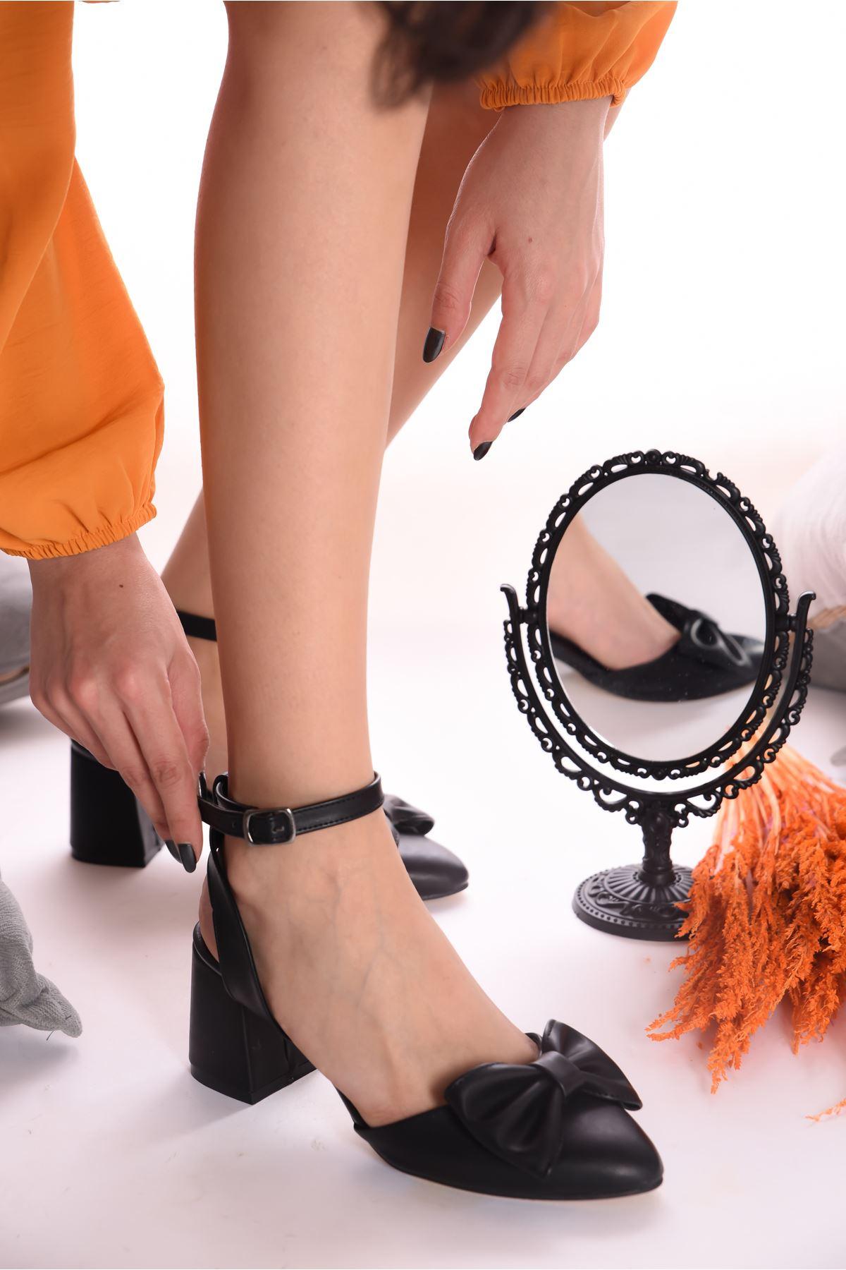 Kadın Hilemo Mat Deri Siyah Topuklu Ayakkabı
