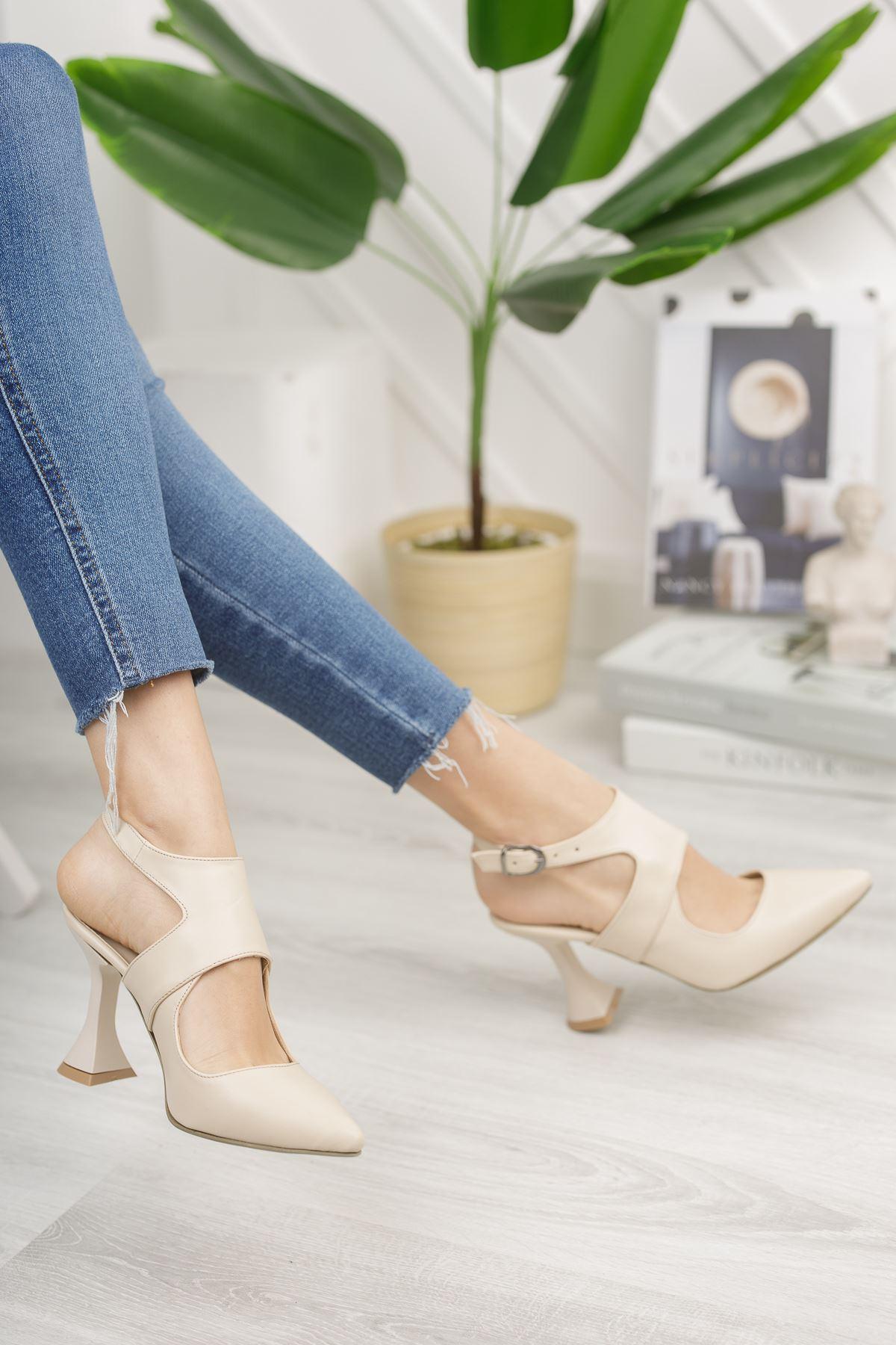 Kadın Forever Sivri Burun Yüksek Topuklu Mat Deri Ten Ayakkabı