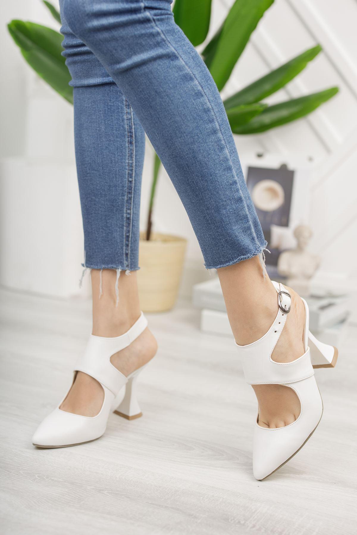 Kadın Forever Sivri Burun Yüksek Topuklu Mat Deri Beyaz Ayakkabı