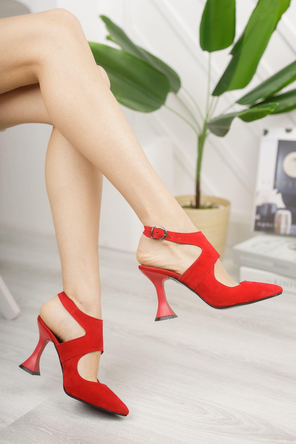 Kadın Forever Sivri Burun Yüksek Topuklu Kırmızı Süet Ayakkabı