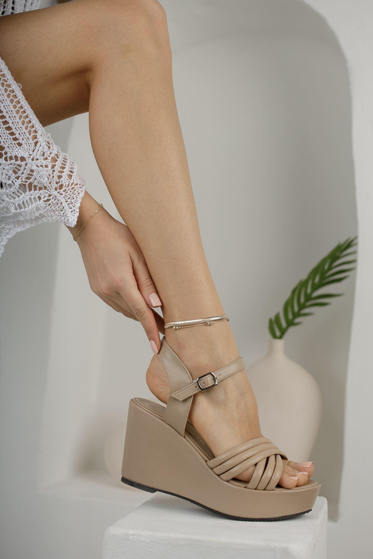 Kadın Arod Çapraz Biyeli Ten Dolgu Topuklu Ayakkabı
